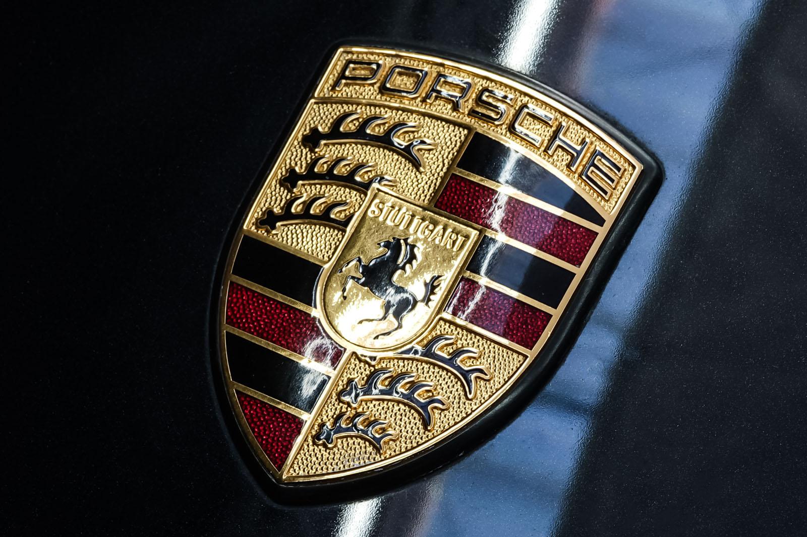 Porsche_997_C2_Schwarz_Schwarz_POR-3384_12_w