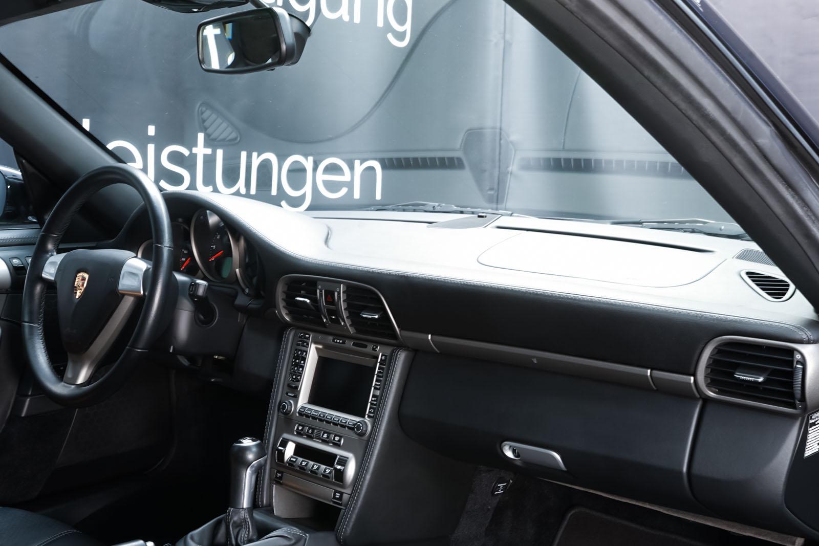 Porsche_997_C2_Schwarz_Schwarz_POR-3384_17_w
