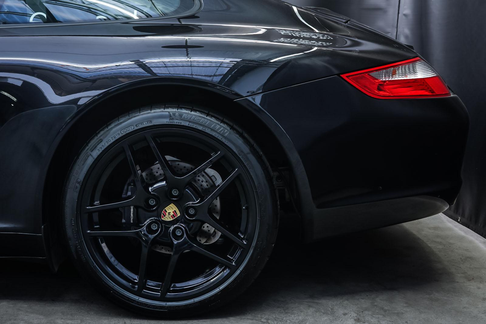 Porsche_997_C2_Schwarz_Schwarz_POR-3384_4_w