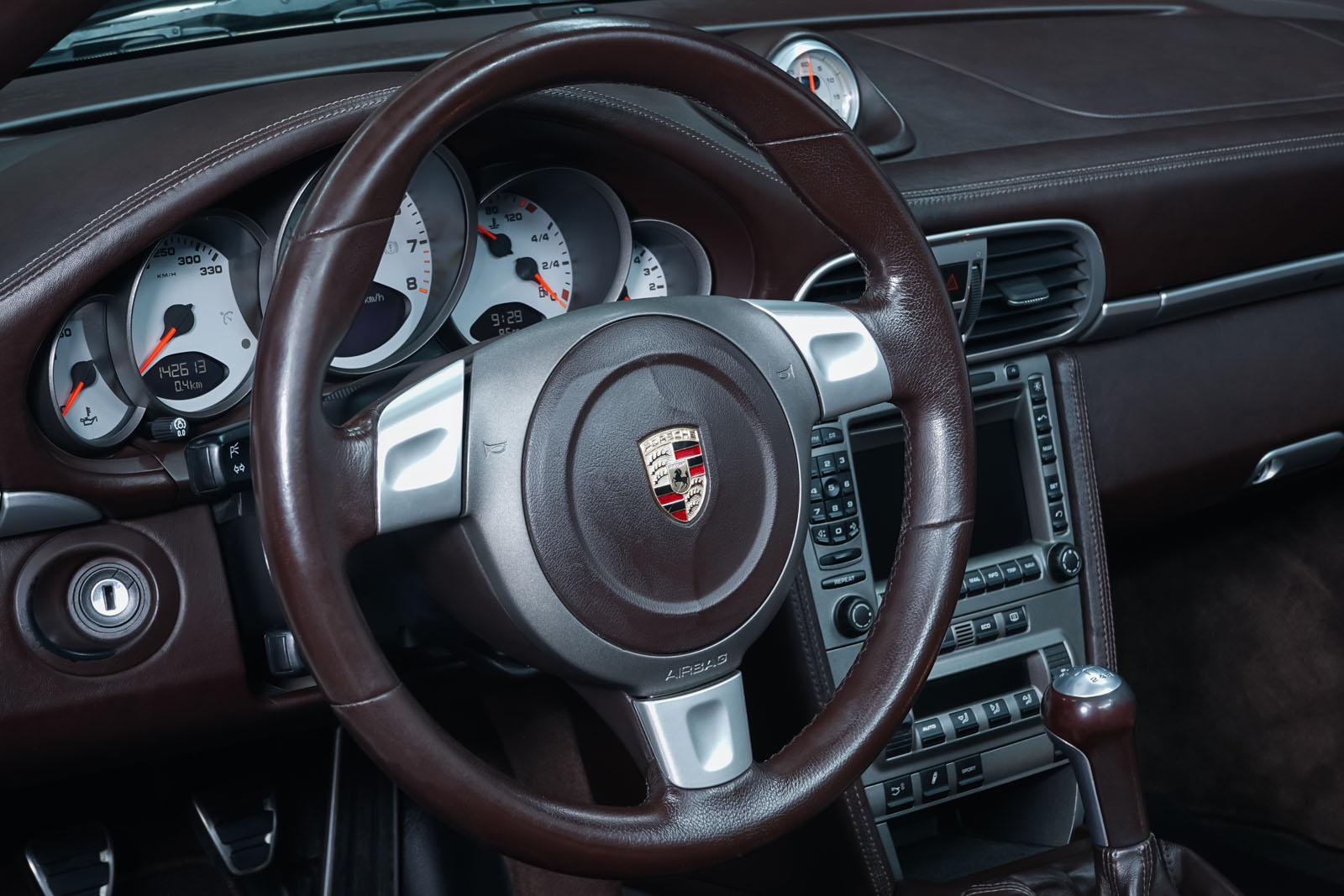 Porsche_997_C4S_Cabrio_Weiß_Braun_POR-4557_10_w