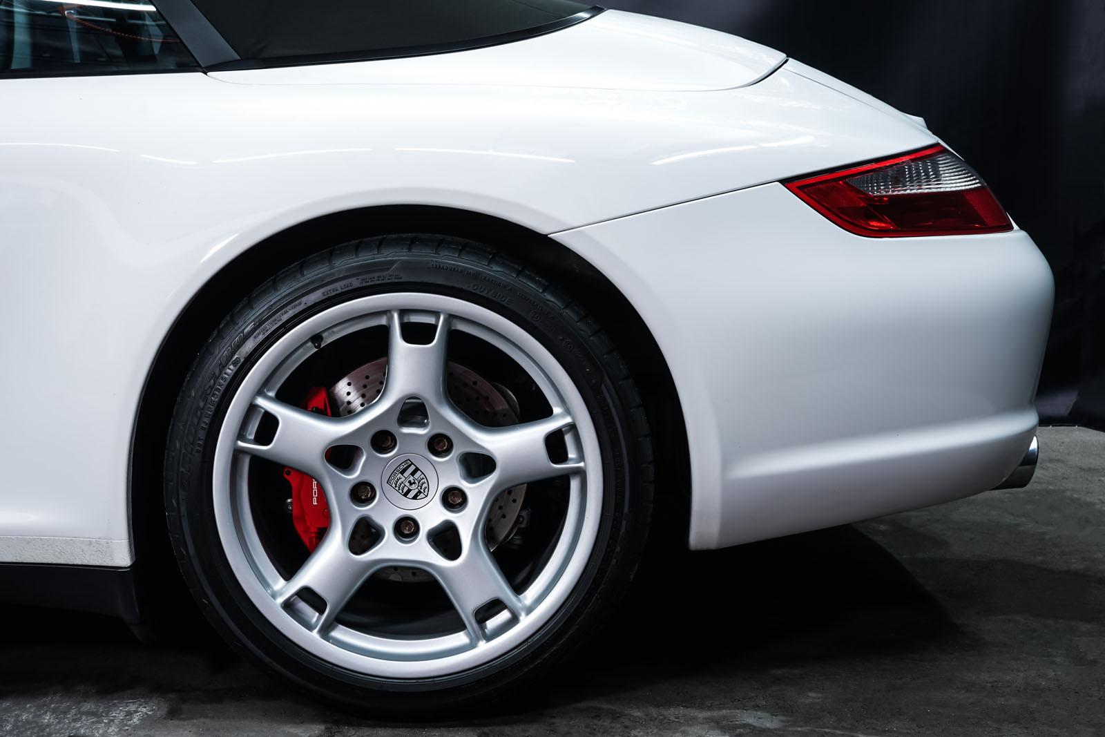 Porsche_997_C4S_Cabrio_Weiß_Braun_POR-4557_4_w