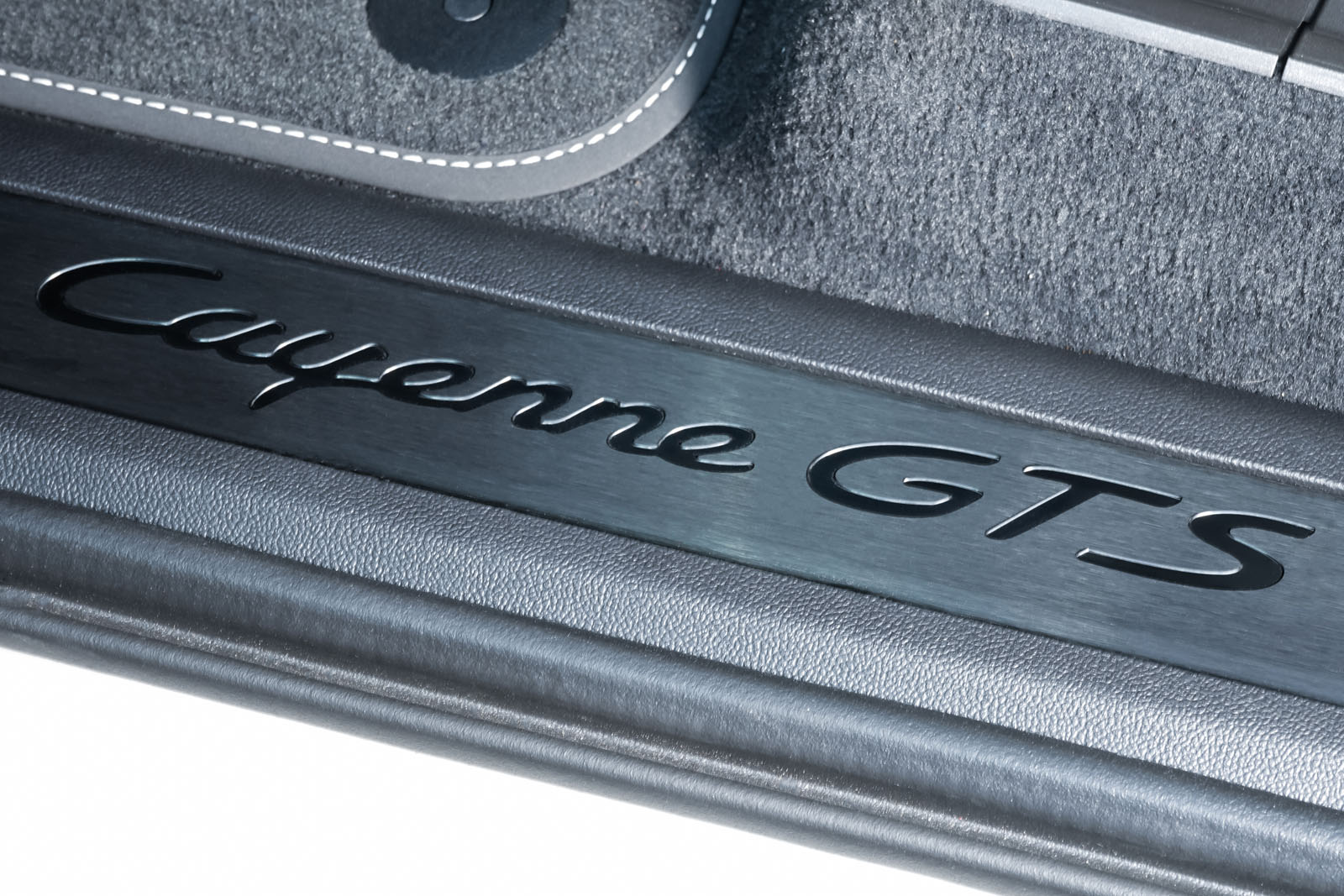 11Porsche_Cayenne_GTS-Coupe_Calk_Black_POR-4352_10_w