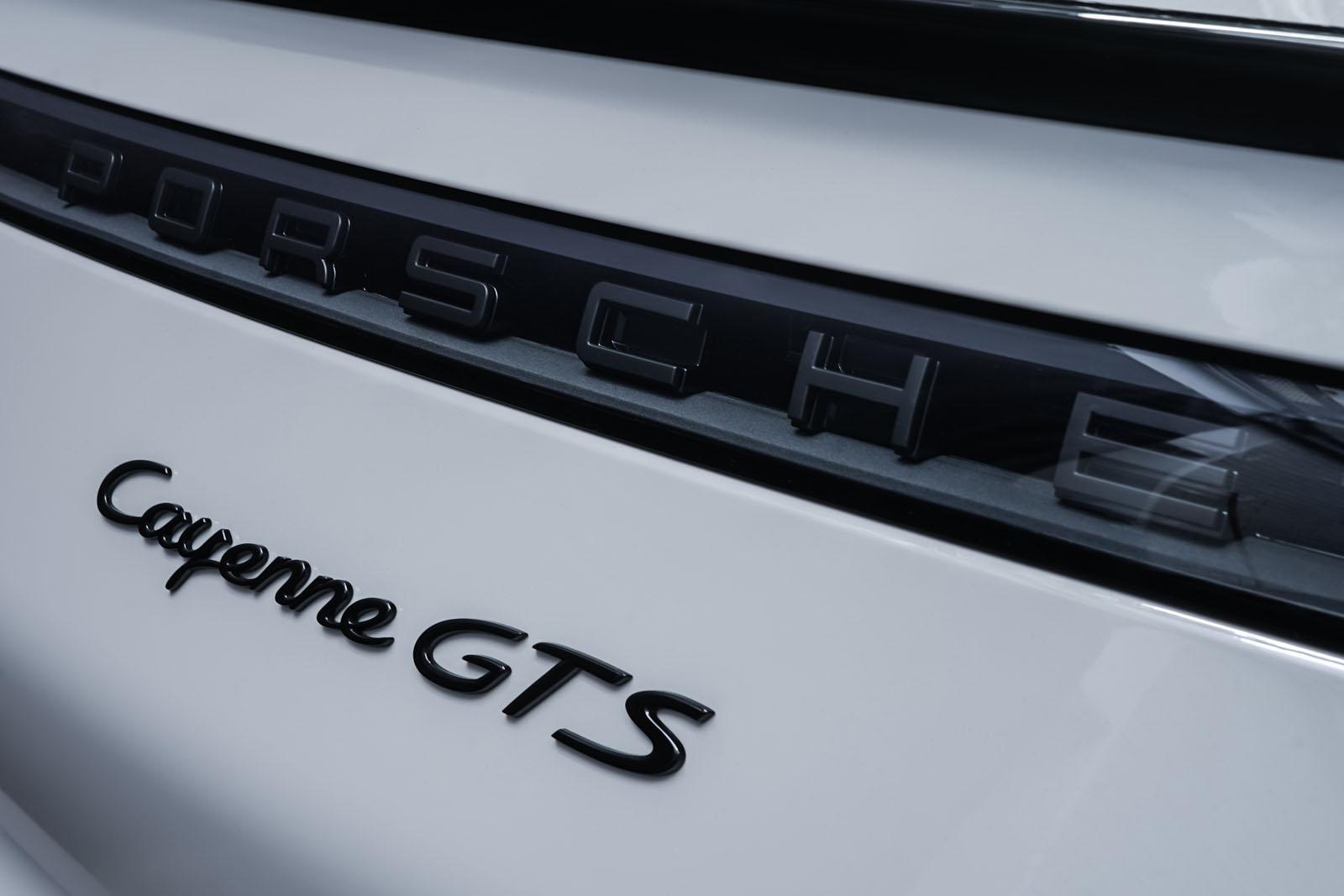 11Porsche_Cayenne_GTS-Coupe_Calk_Black_POR-4352_18_w