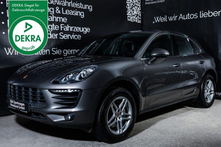 Porsche_MacanS_Grau_Schwarz_POR-7020_Plakette_w