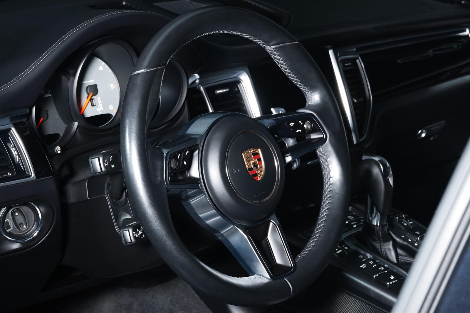 Porsche_Macan_S_Tiefschwarz_Schwarz_POR-1108_10_w