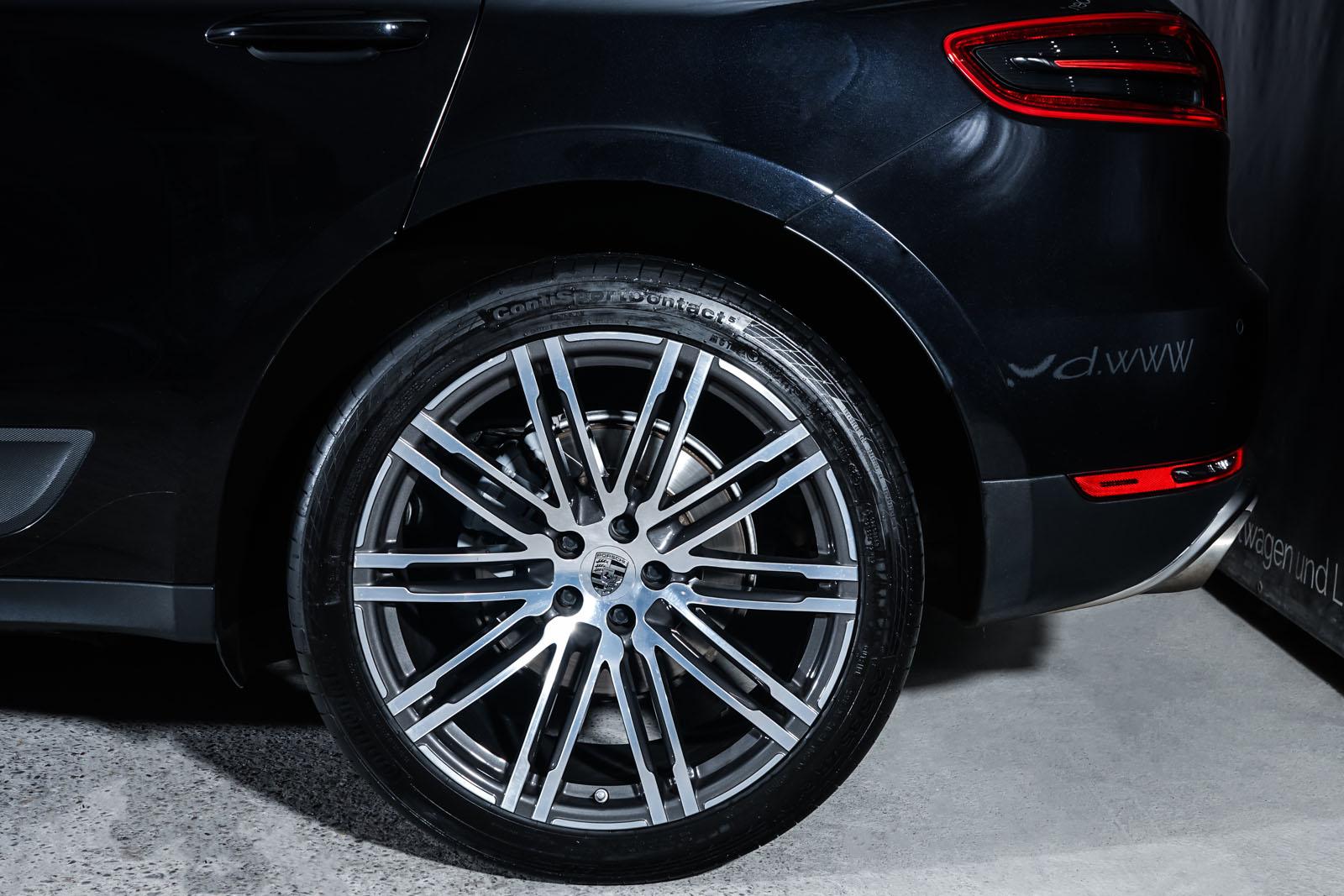 Porsche_Macan_S_Tiefschwarz_Schwarz_POR-1108_4_w