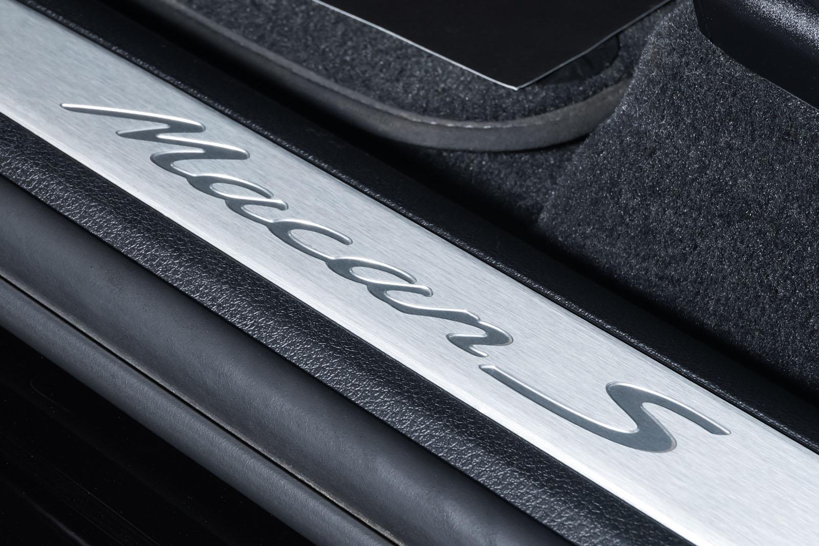 Porsche_Macan_S_Tiefschwarz_Schwarz_POR-1108_9_w