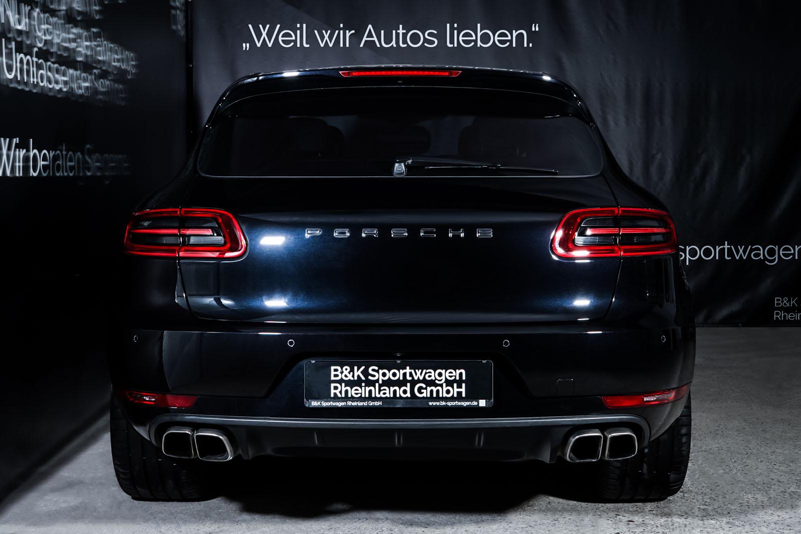Porsche_Macan_TurboS_Schwarz_Schwarz_POR-2871_13_w