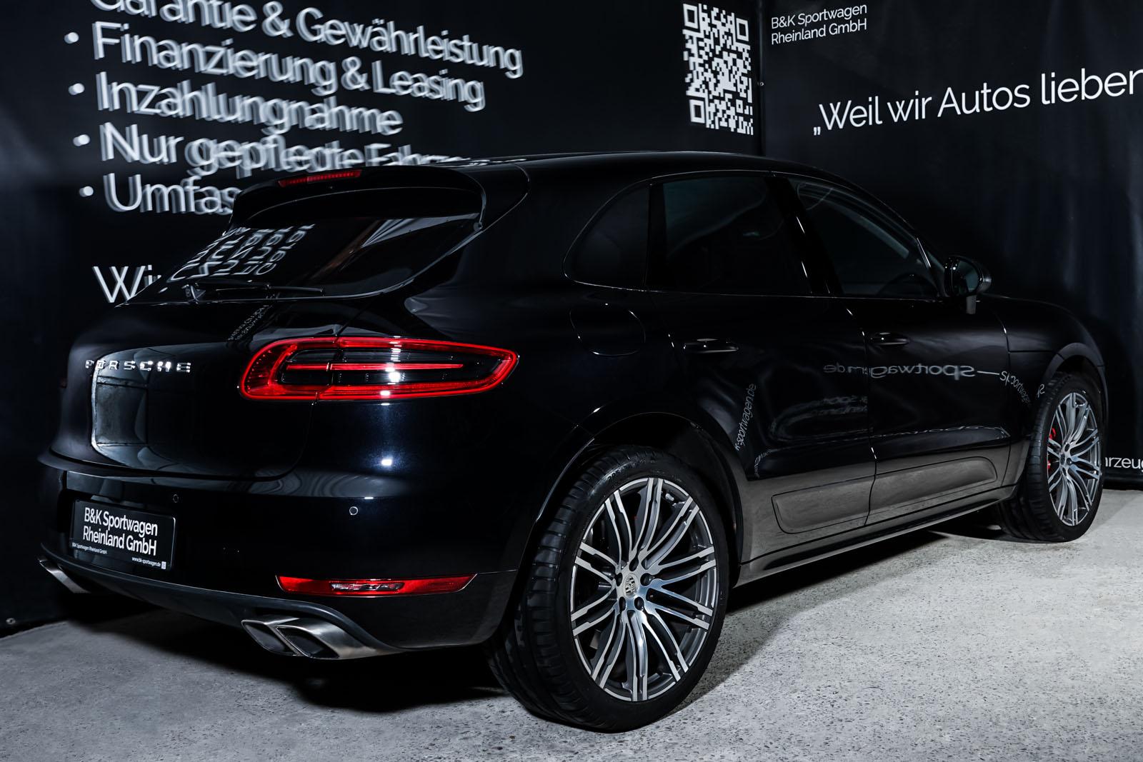 Porsche_Macan_TurboS_Schwarz_Schwarz_POR-2871_14_w