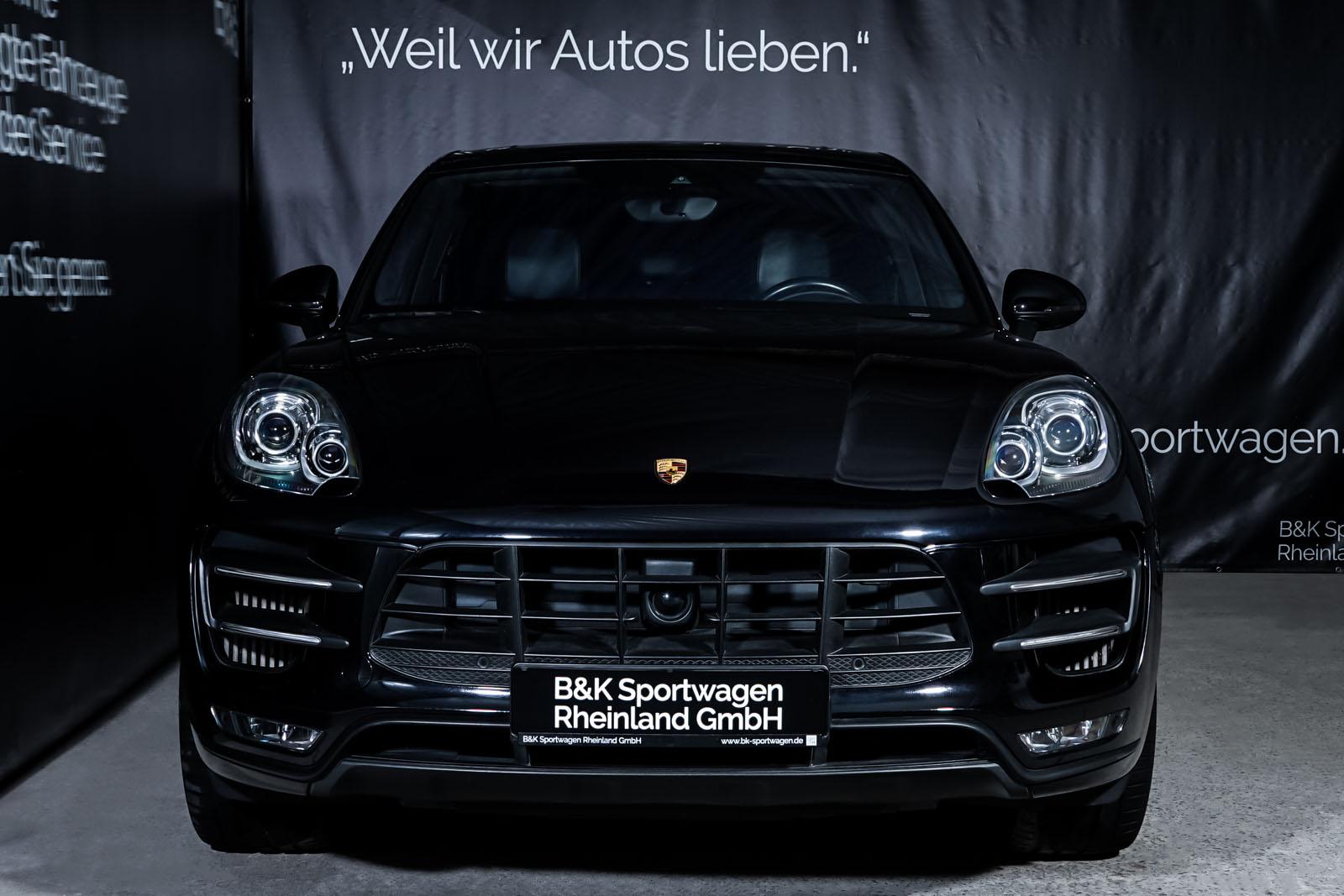 Porsche_Macan_TurboS_Schwarz_Schwarz_POR-2871_1_w