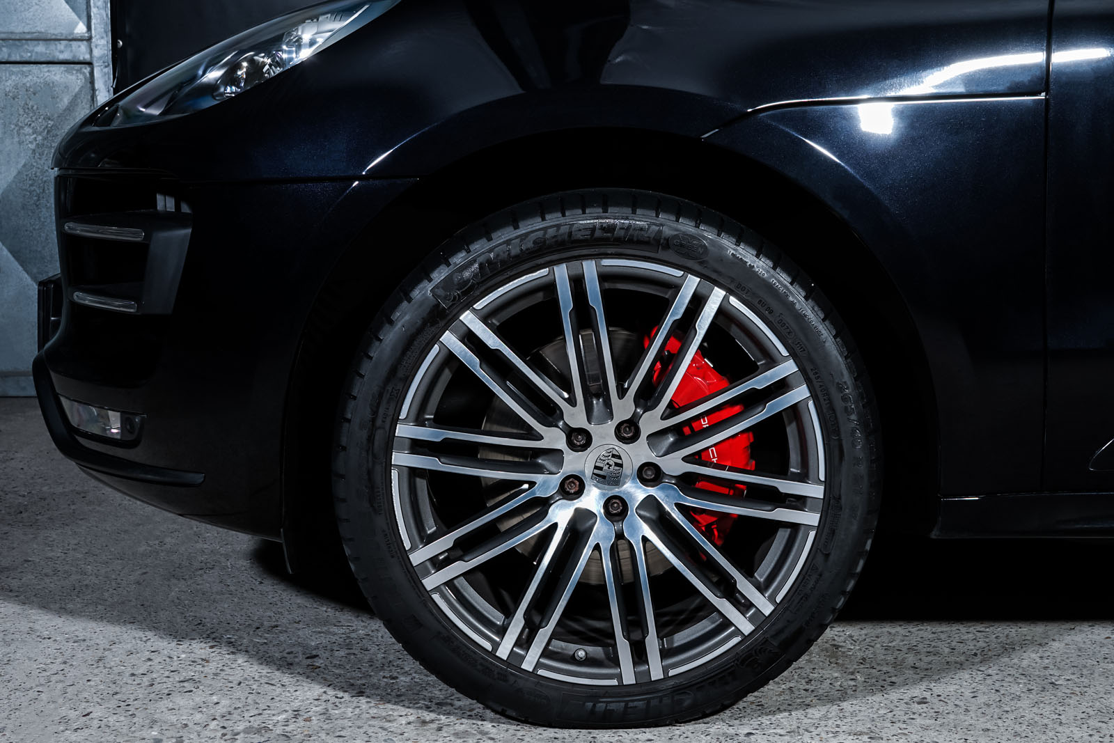 Porsche_Macan_TurboS_Schwarz_Schwarz_POR-2871_3_w