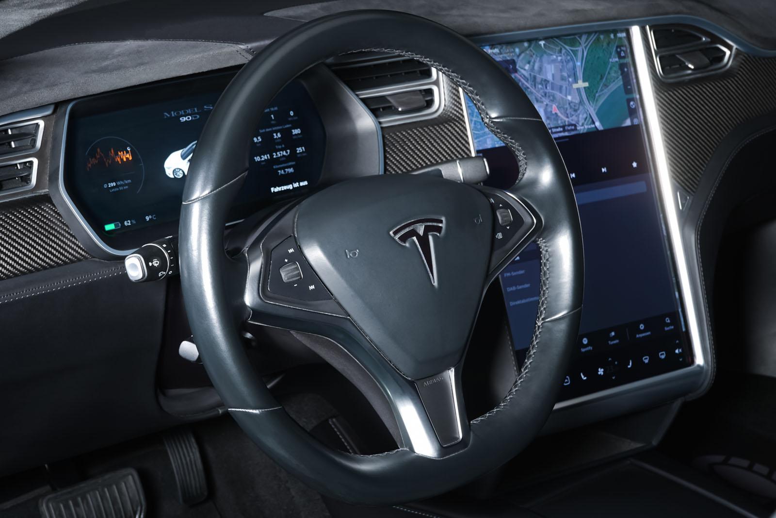 Tesla_ModelS_90D_Weiß_Schwarz_TES-0714_10_w