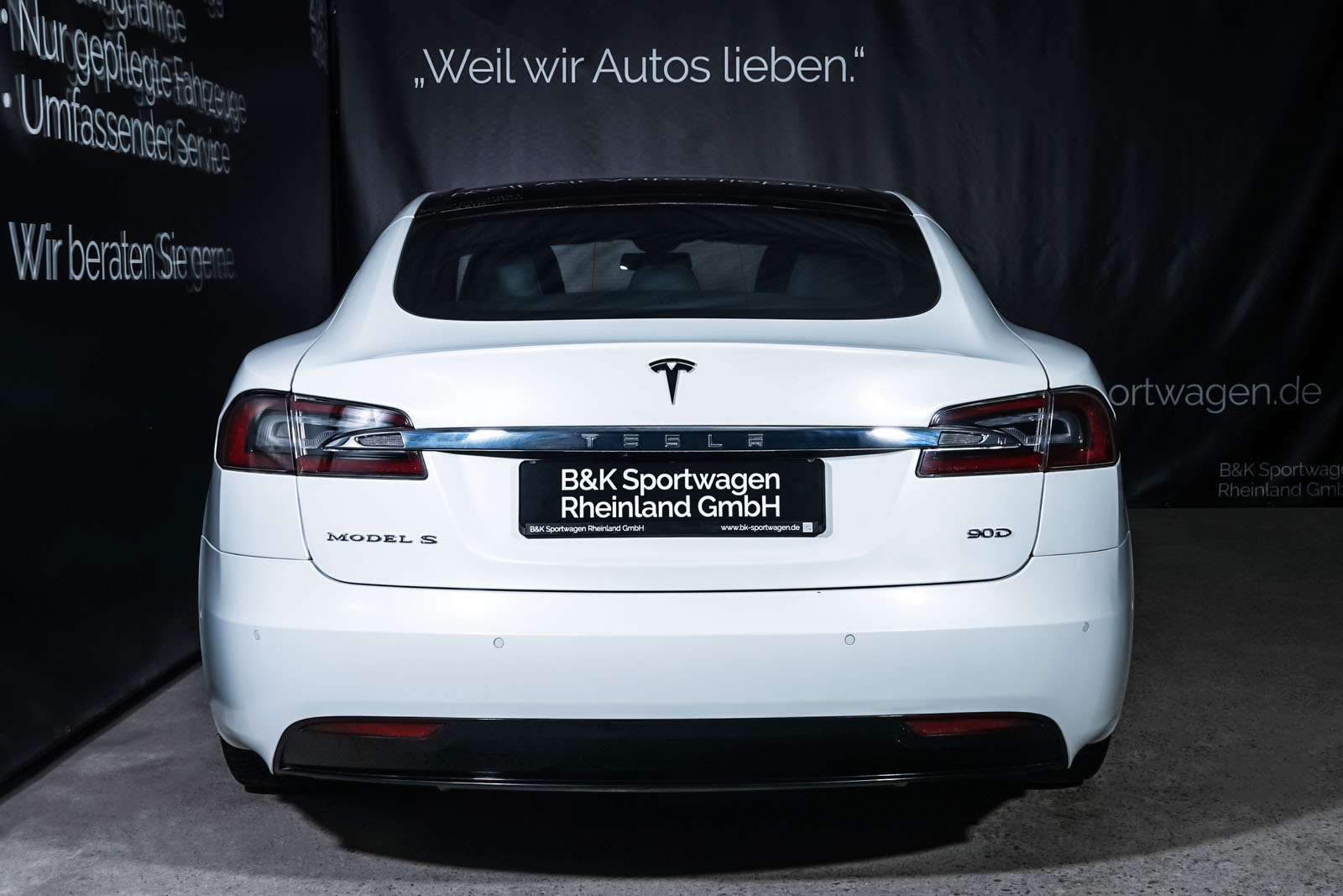 Tesla_ModelS_90D_Weiß_Schwarz_TES-0714_13_w