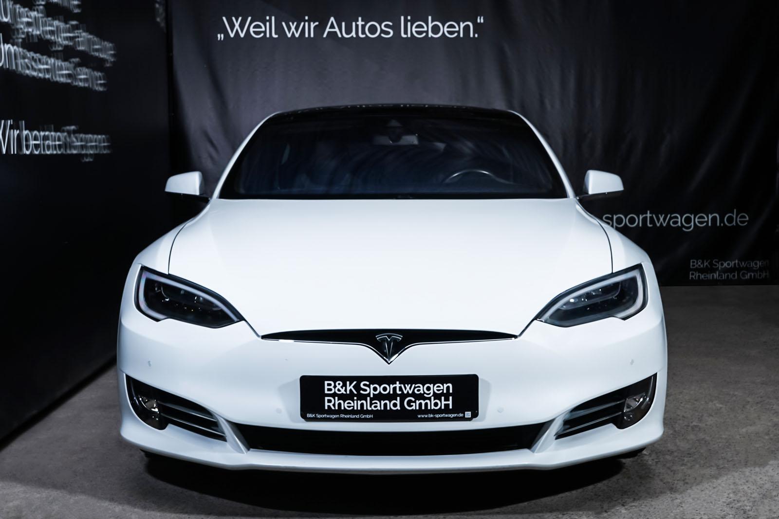 Tesla_ModelS_90D_Weiß_Schwarz_TES-0714_1_w