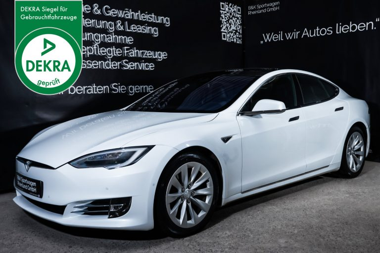 Tesla_ModelS_90D_Weiß_Schwarz_TES-0714_Plakette_w