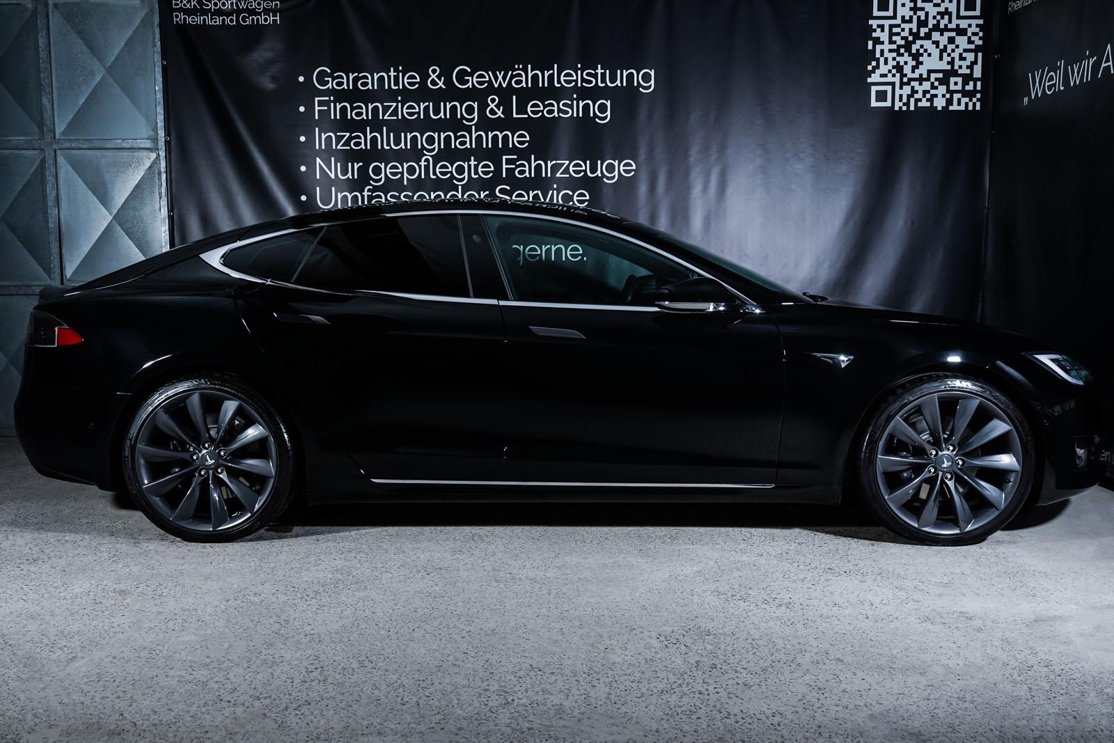 Tesla_ModelS_Schwarz_Schwarz_TES-6166_15_w