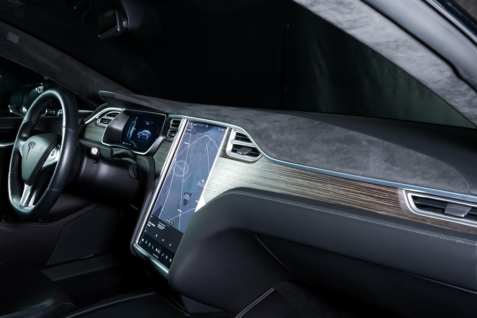 Tesla_ModelS_Schwarz_Schwarz_TES-6166_19_w