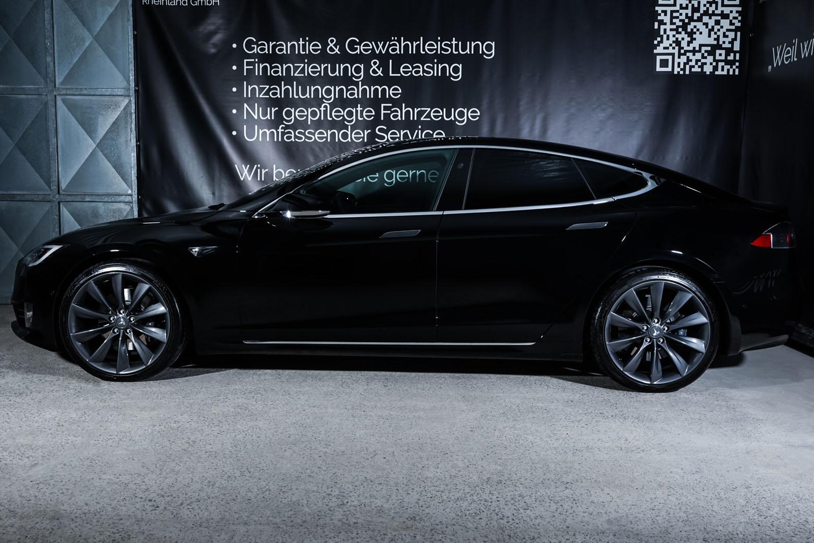 Tesla_ModelS_Schwarz_Schwarz_TES-6166_5_w