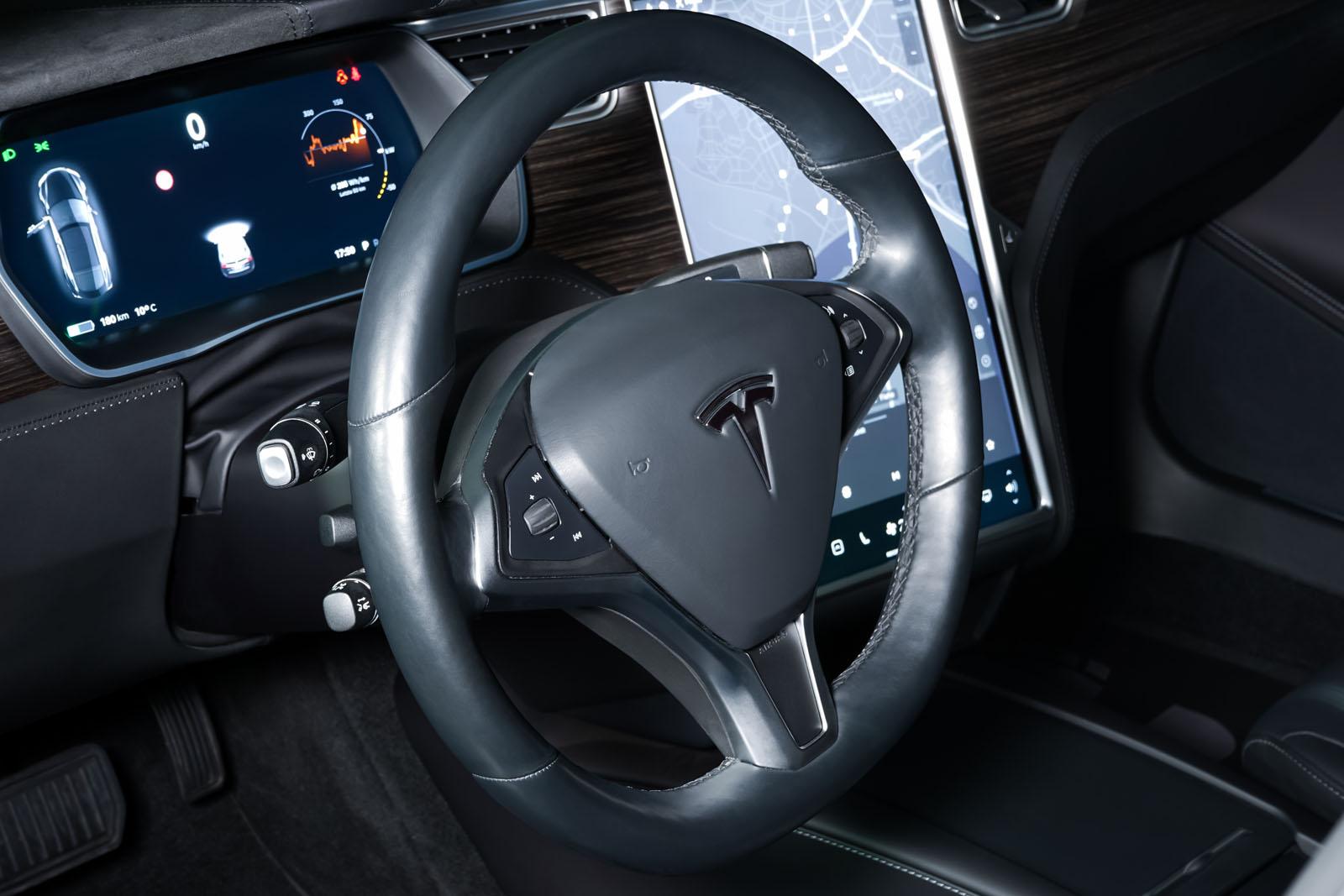 Tesla_ModelS_Schwarz_Schwarz_TES-6166_9_w