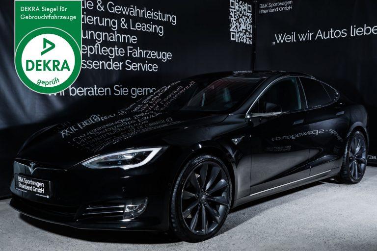 Tesla_ModelS_Schwarz_Schwarz_TES-6166_Plakette_w