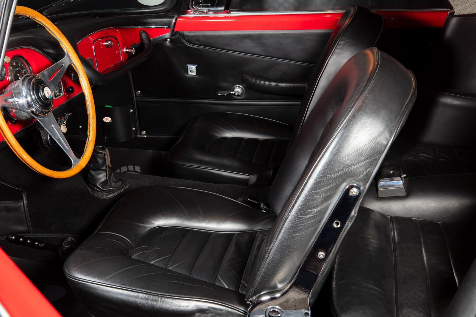 Maserati_3500_GT_Rot_Black_MAS-1742_7_w