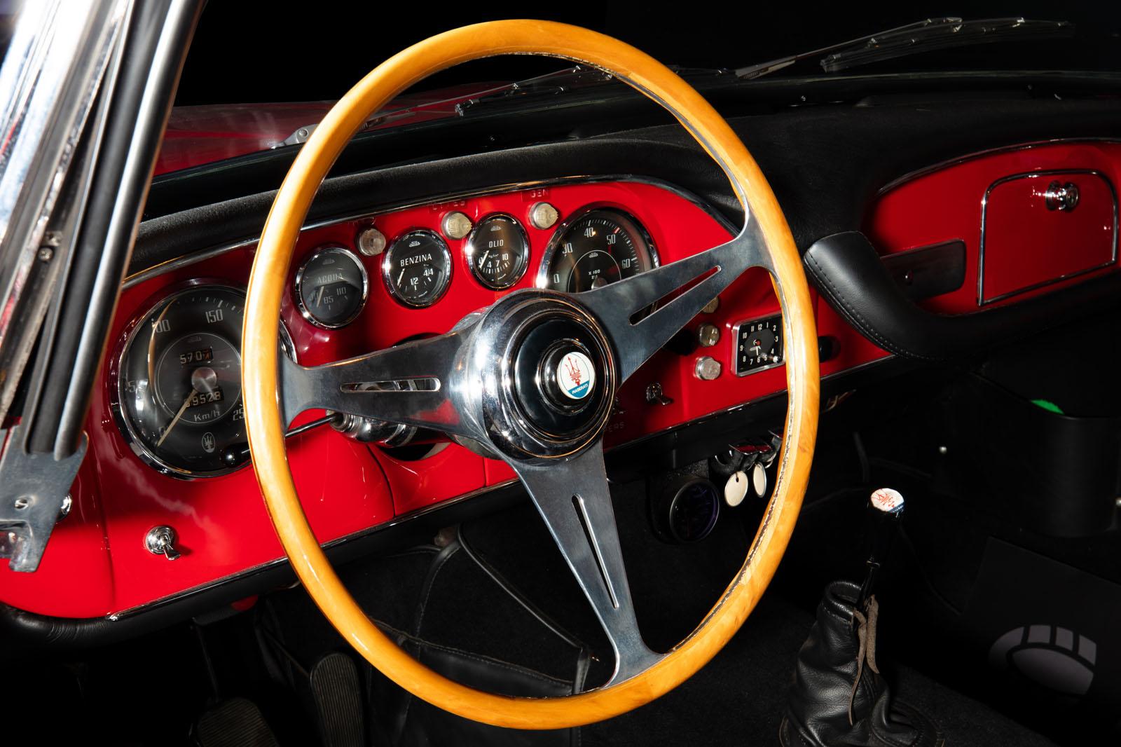 Maserati_3500_GT_Rot_Black_MAS-1742_9_w