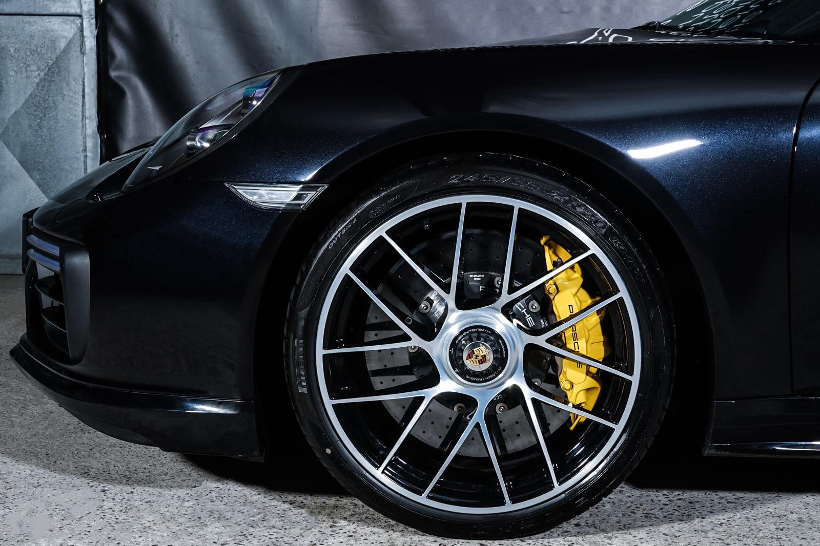 Porsche_991.2_TurboS_Tiefschwarz_Schwarz_POR-2166_3_w