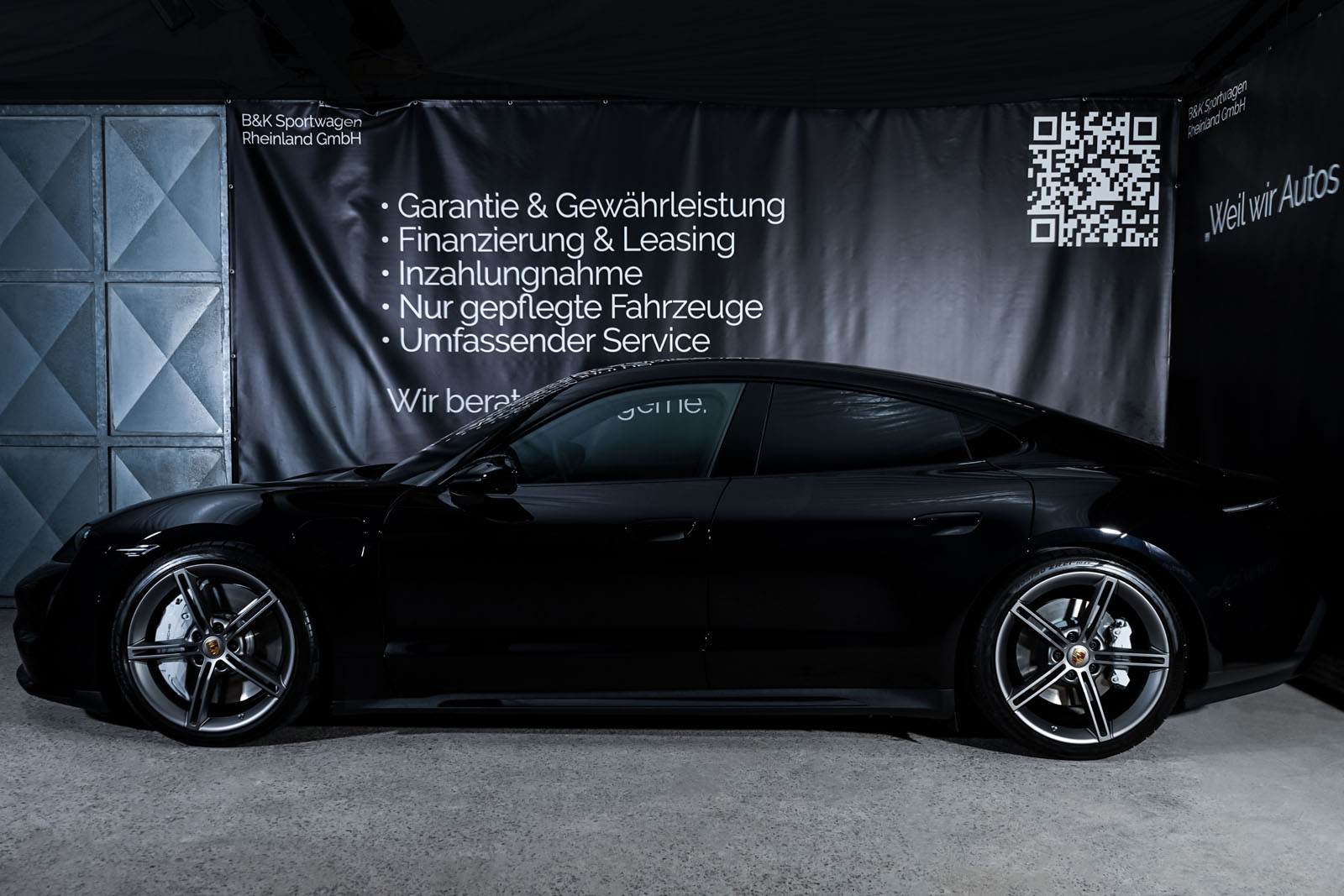 Porsche_Taycan_Turbo_Schwarz_Schwarz_POR-8106_5_w