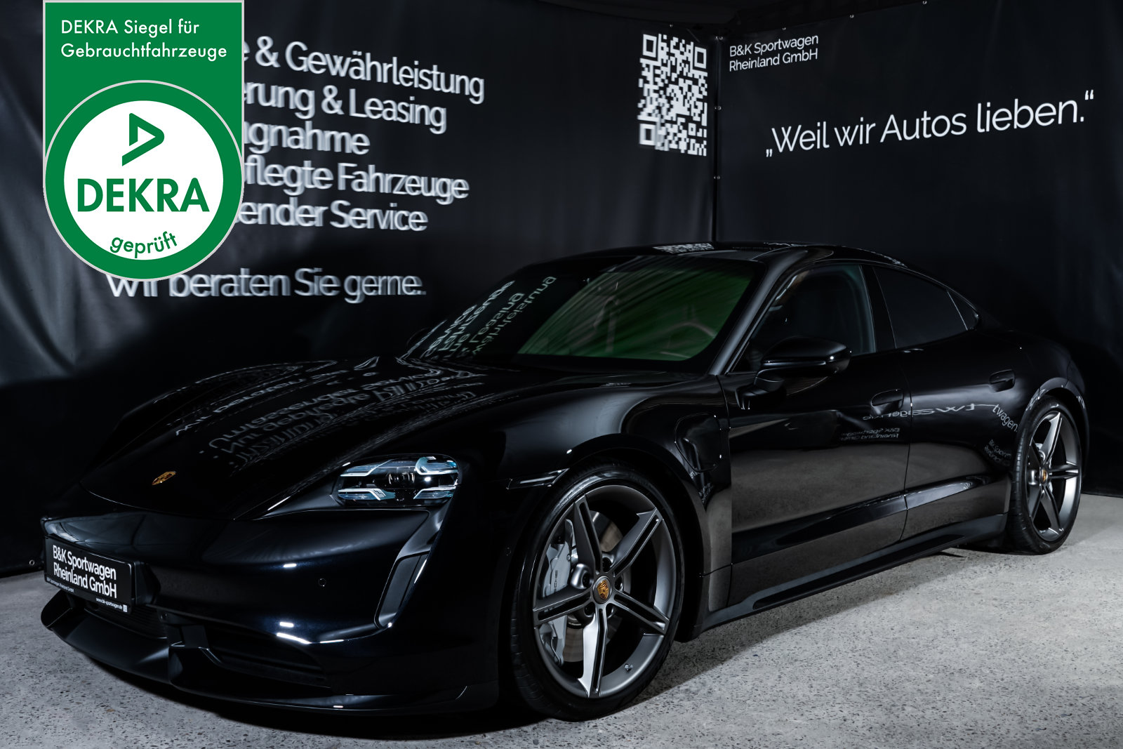 Porsche_Taycan_Turbo_Schwarz_Schwarz_POR-8106_Plakette_w