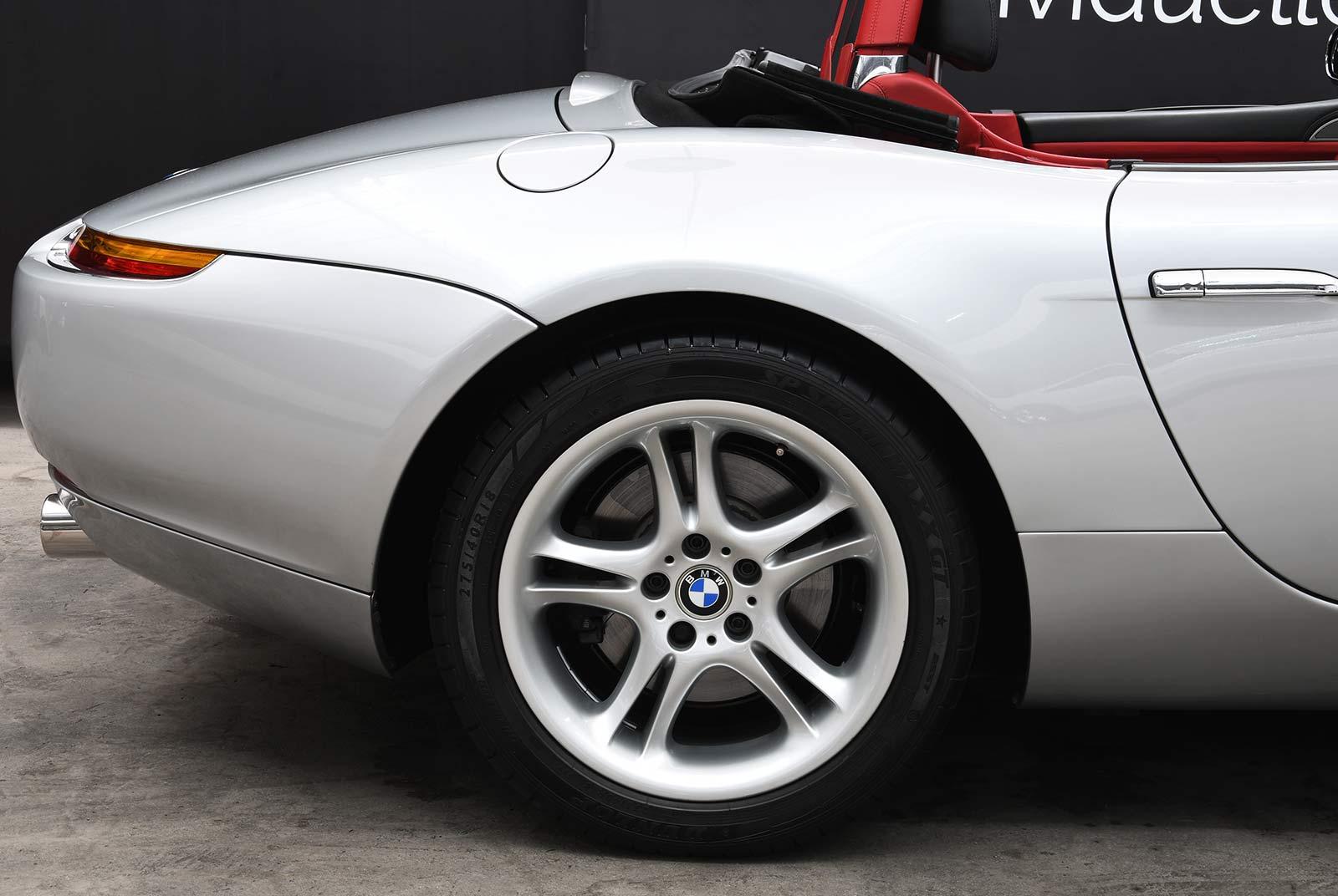 bmw_z_8_grau_rot_BMW-8171_07