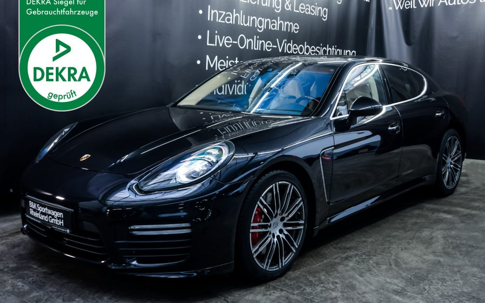 Porsche_Panamera_Turbo_Black_Cream White_POR-0127_Plakette_w