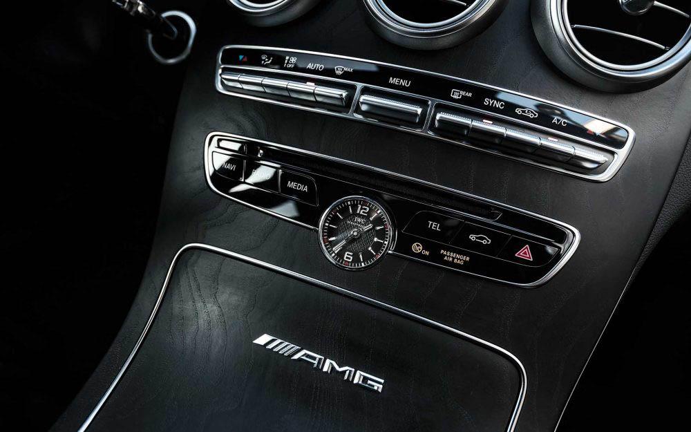 Mercedes_Benz_C63_AMG_Holz_Uhr_Limousine_B+K_Sportwagen_Rheinland_GmbH_Duesseldorf