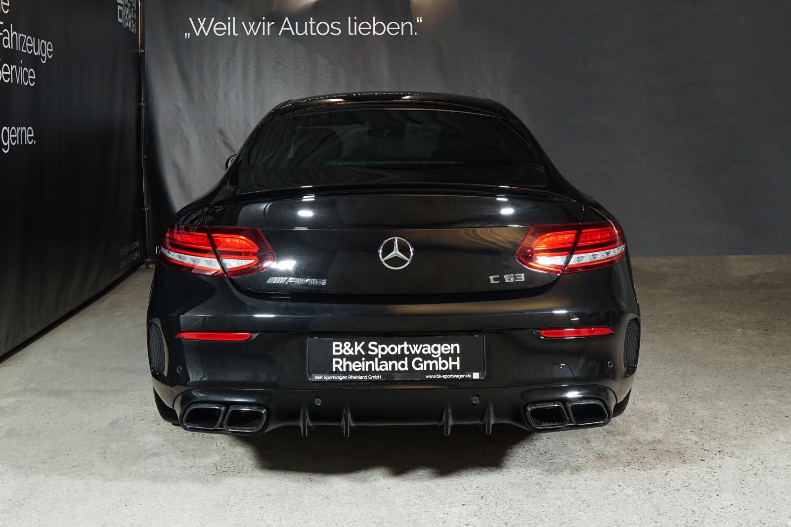 11mercedes-benz-c63-s-amg-coupe-schwarz_3
