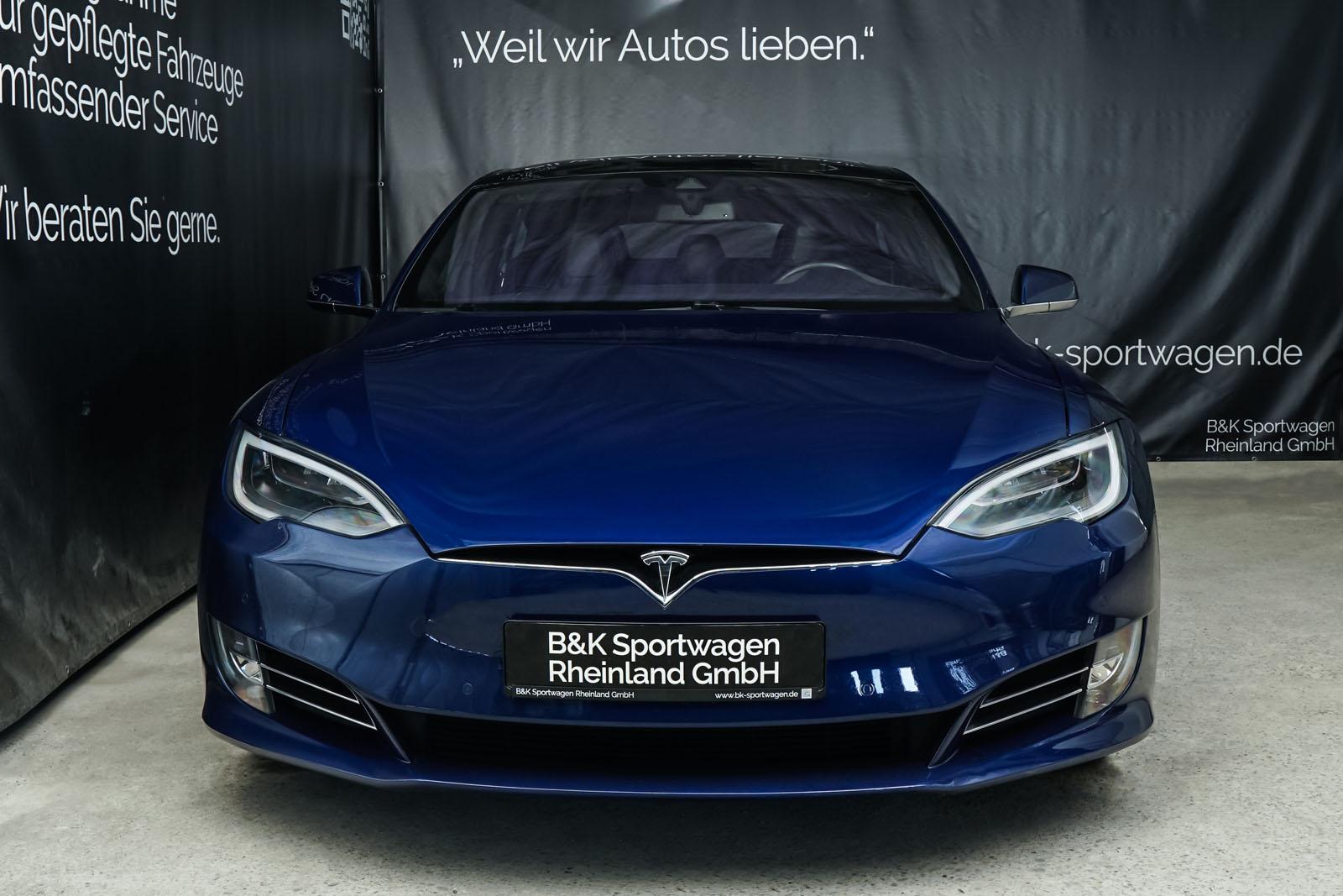 Tesla_ModelS_90D_Blau_Schwarz_Tes-0513_1