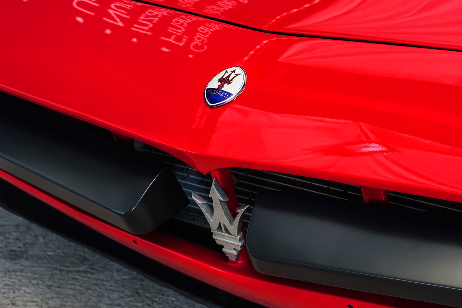 Maserati_Merak_Rot_Schwarz_MAS-4094_10_w