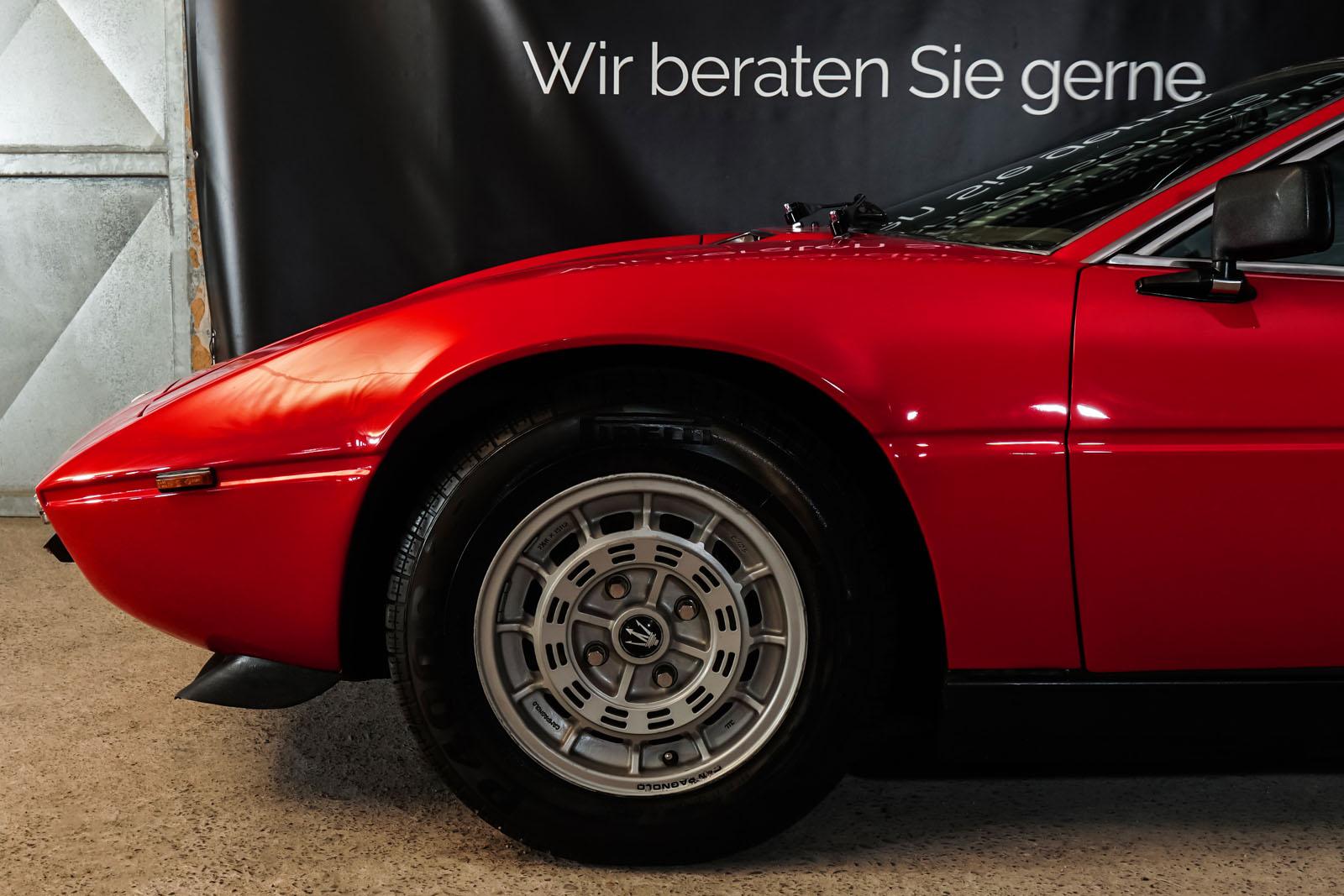 Maserati_Merak_Rot_Schwarz_MAS-4094_3_w