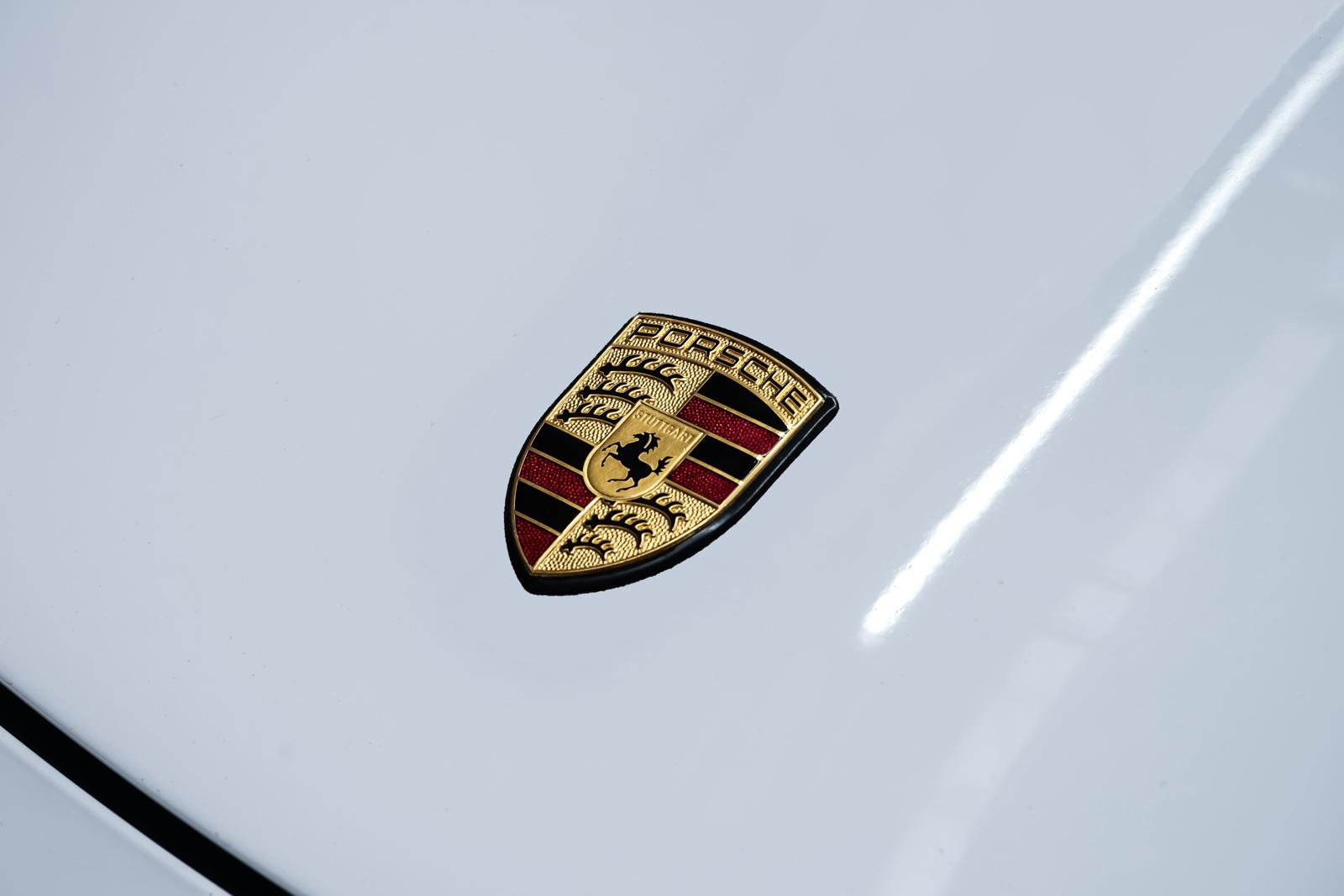 Porsche_997_C4S_Cabrio_Weiß_Braun_POR-4557_13_w