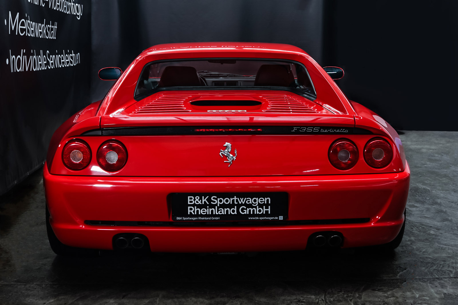 Ferrari_F355_Berlinetta_Rot_Schwarz_FER-7159_14_w
