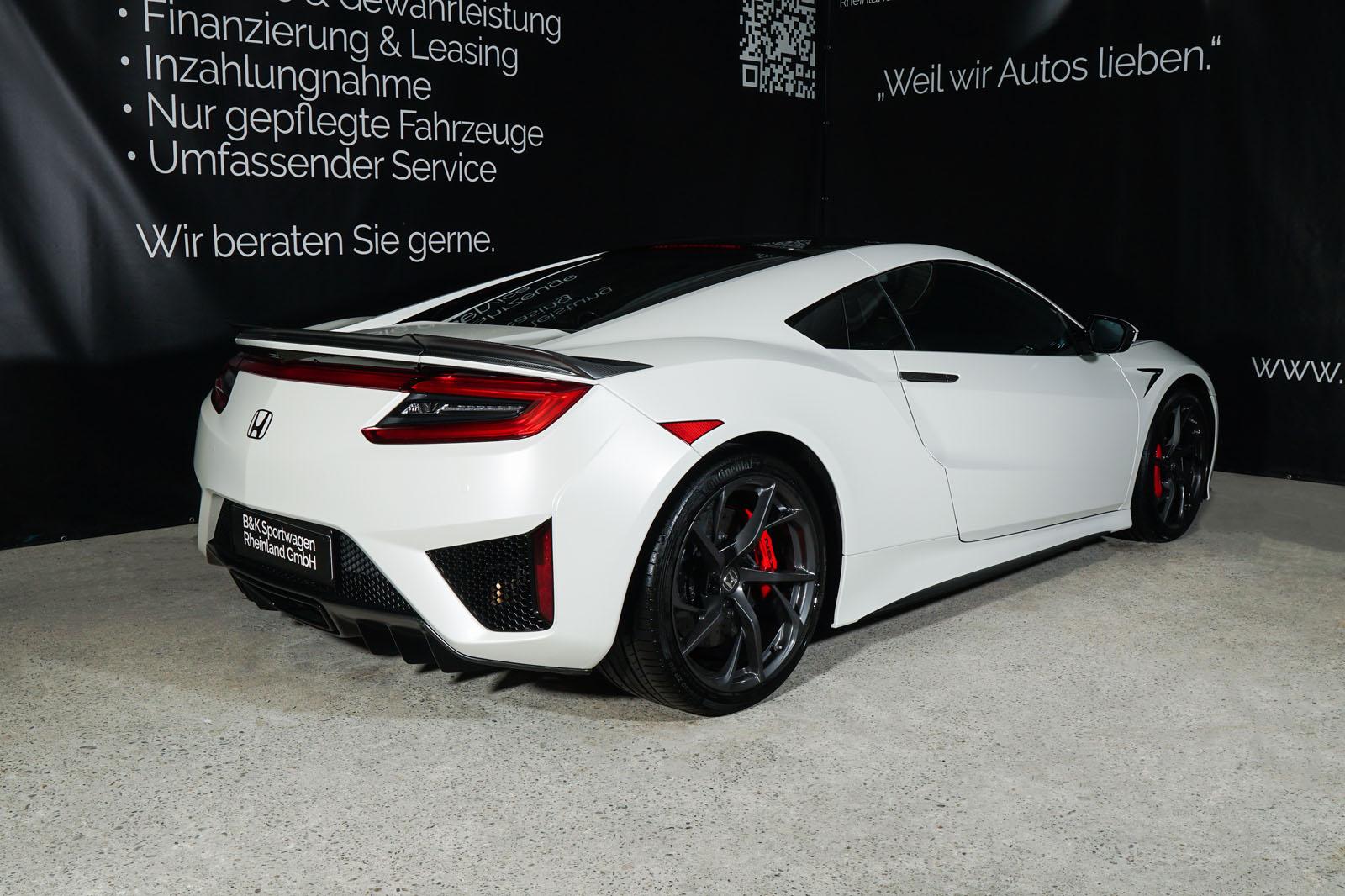 Honda_NSX_White_Black_HON-0029_10_w