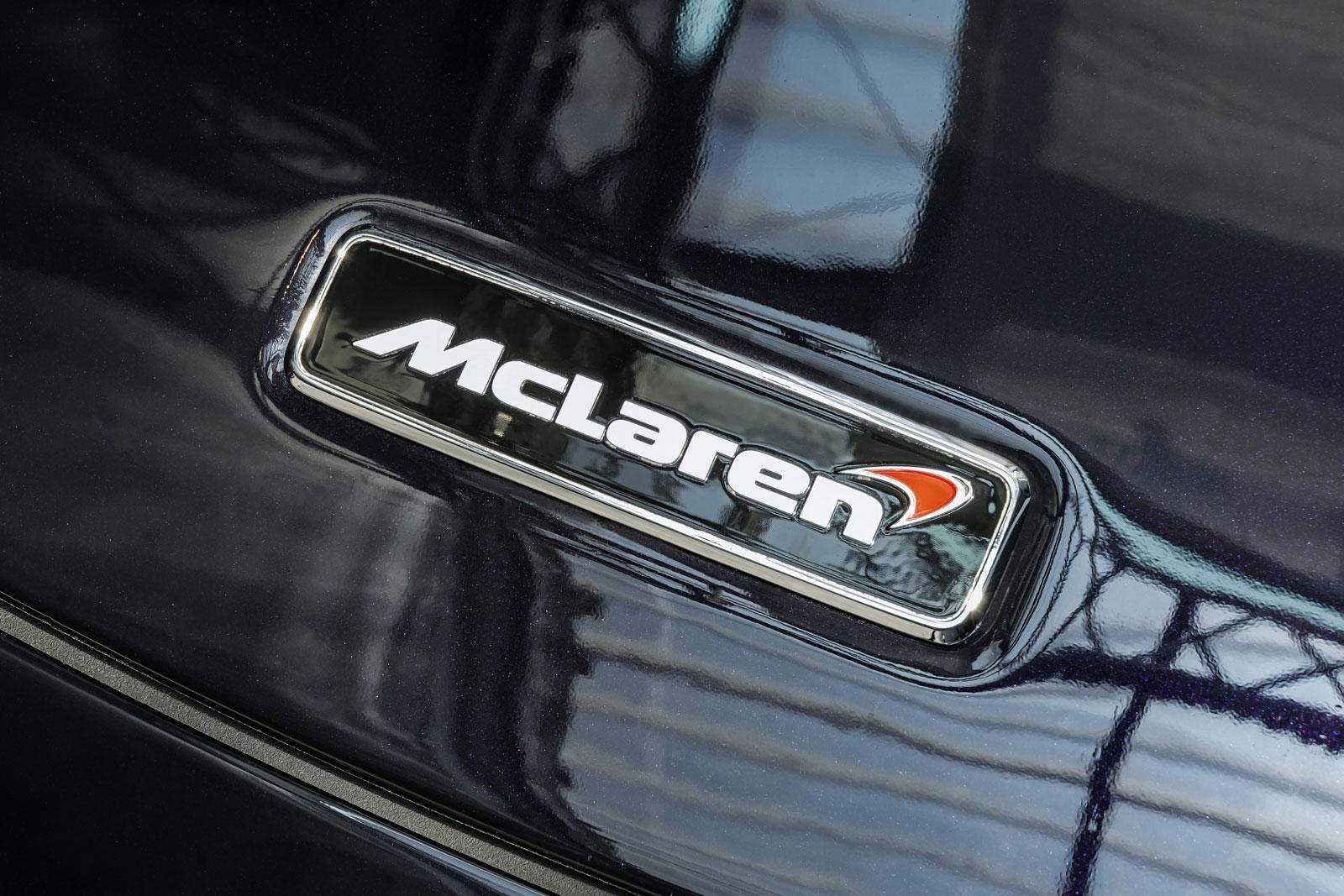 McLaren_650S_Spider_Schwarz_Weiß_MCL-6007_15_w