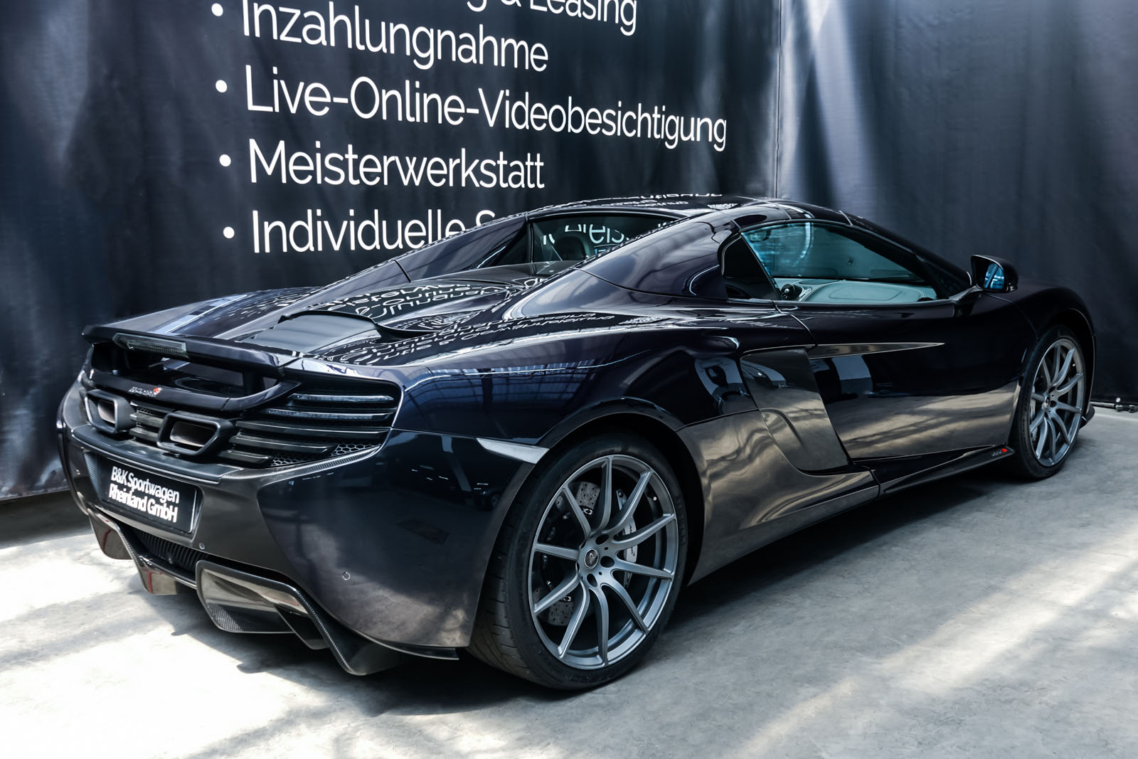 McLaren_650S_Spider_Schwarz_Weiß_MCL-6007_23_w