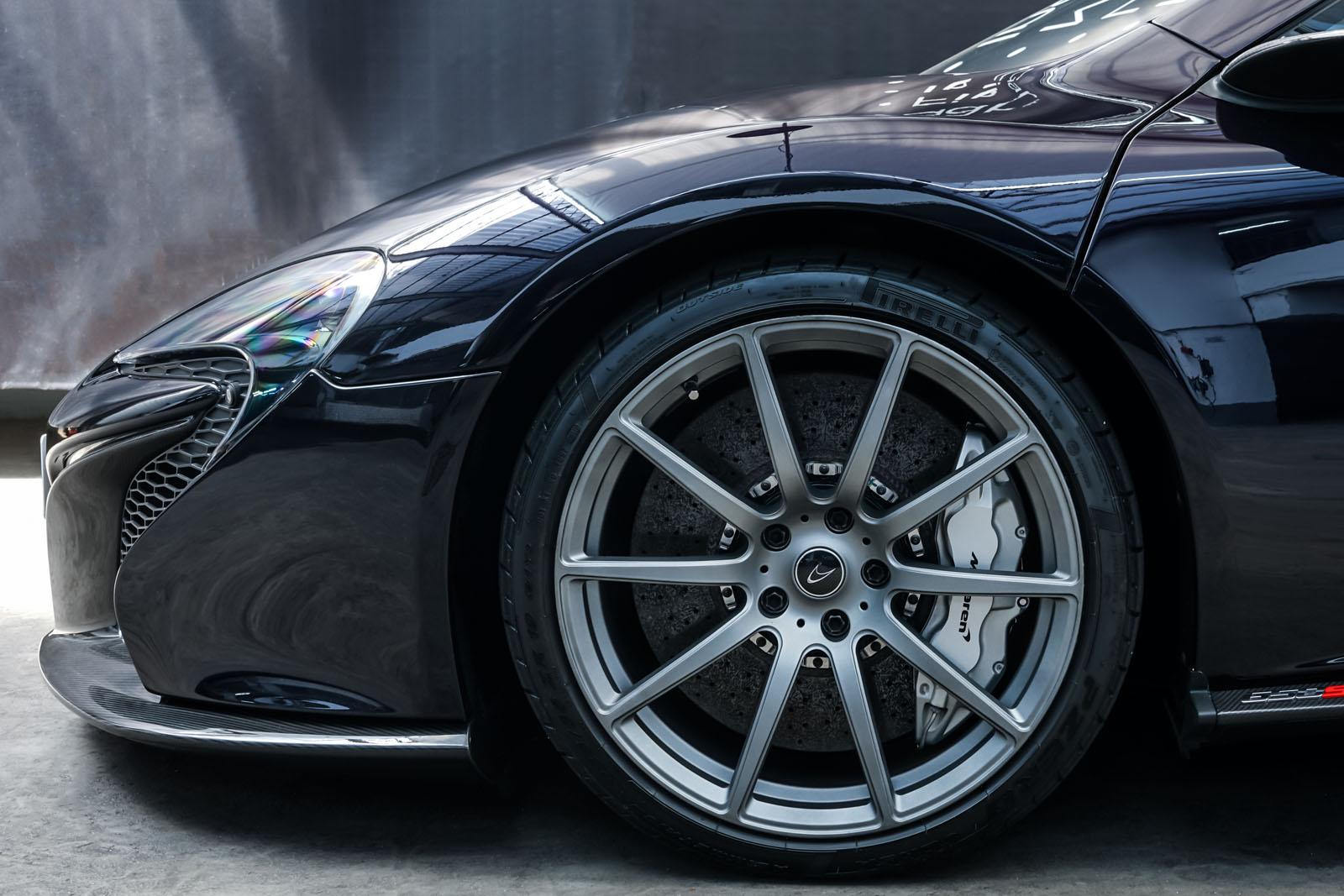 McLaren_650S_Spider_Schwarz_Weiß_MCL-6007_3_w