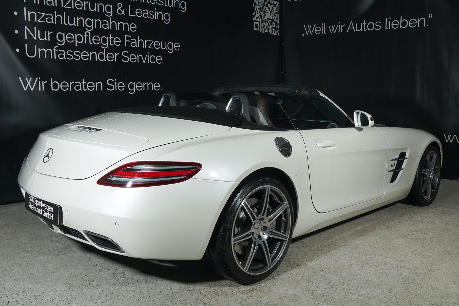 Mercedes-Benz_SLS_AMG_Roadster_Weiß_Braun_2