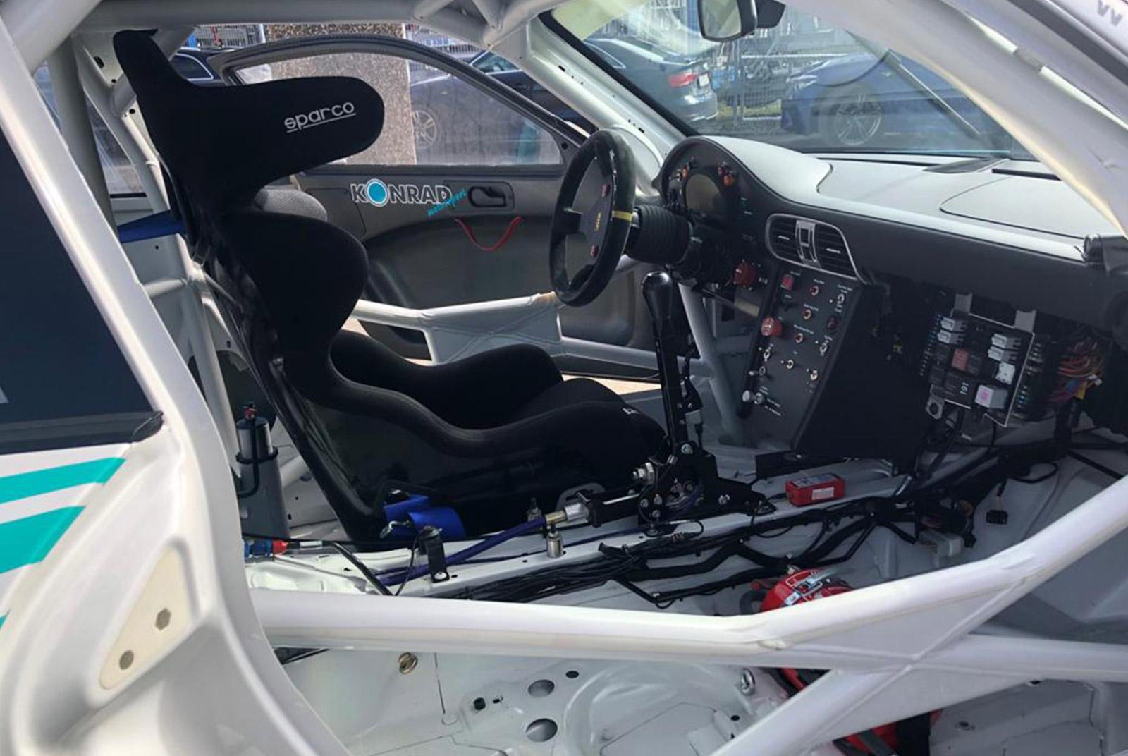 Porsche_997_GT3_Cup_Weiß_Schwarz_POR-8188_12