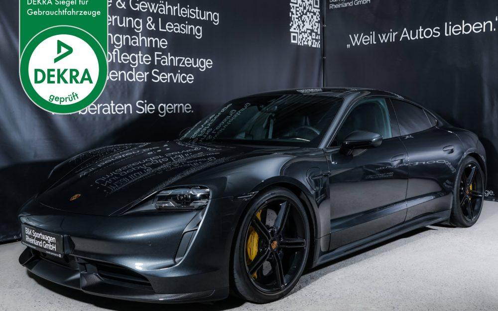Porsche_Taycan_TurboS_Vulkangraumetallic_Schwarz_POR