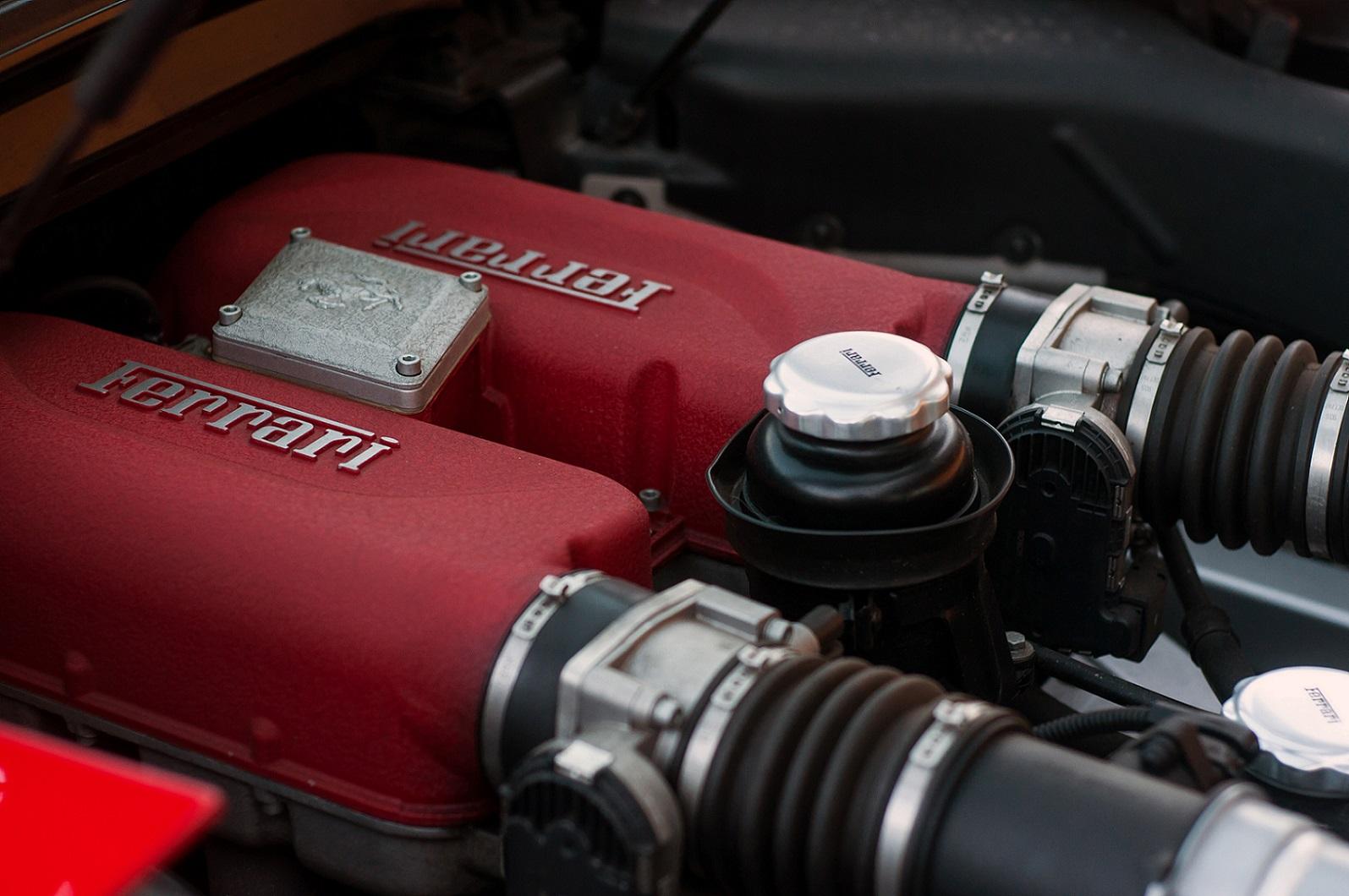 V8 Ferrari Motor