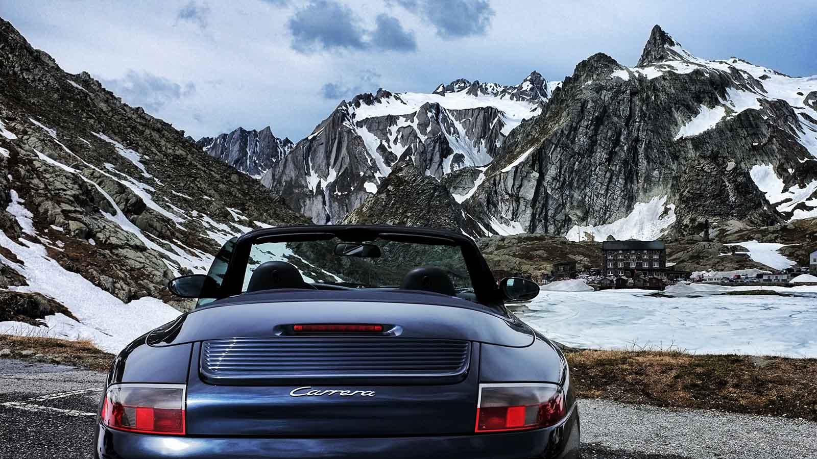 Porsche In Den Bergen
