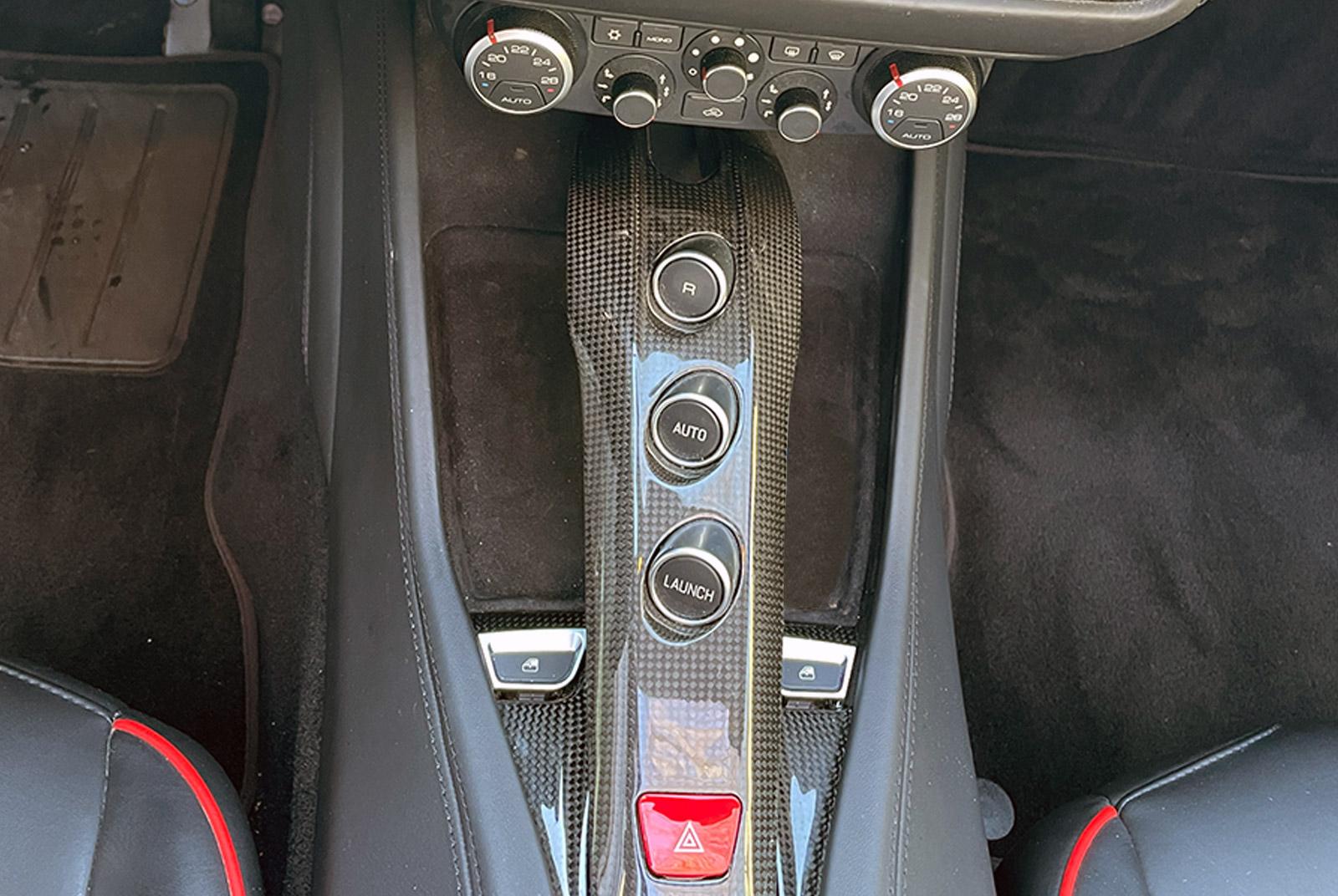 Ferrari_California_Schwarz_Schwarz_FER-6875_11