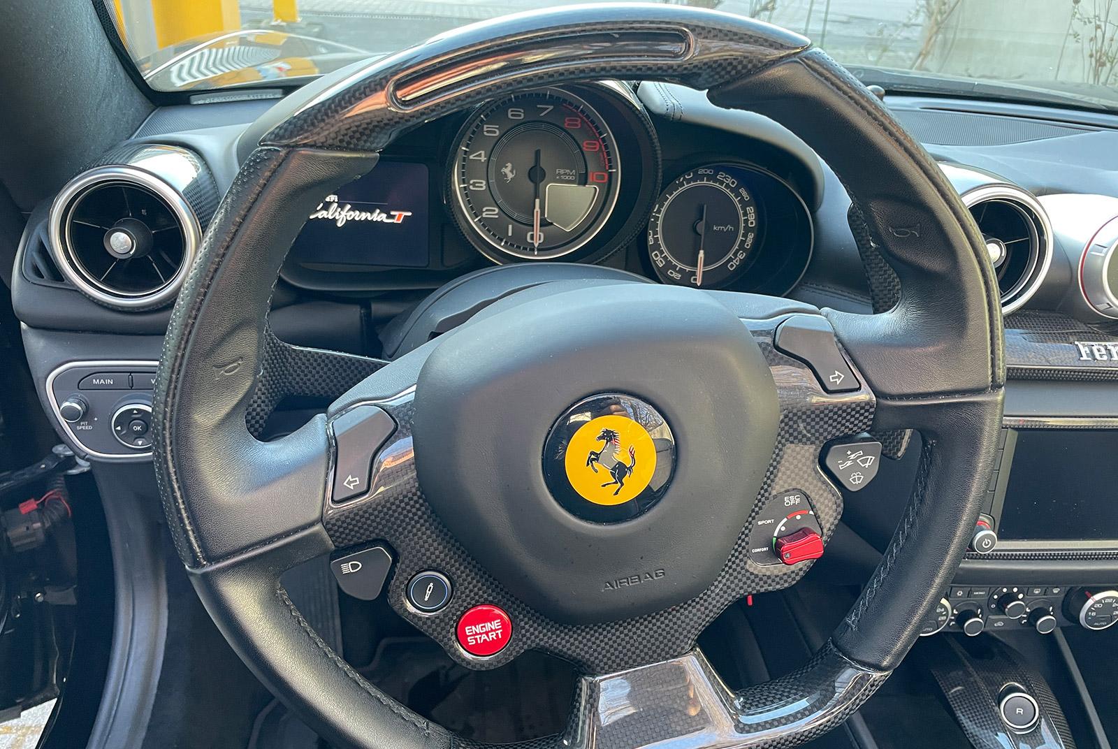 Ferrari_California_Schwarz_Schwarz_FER-6875_14