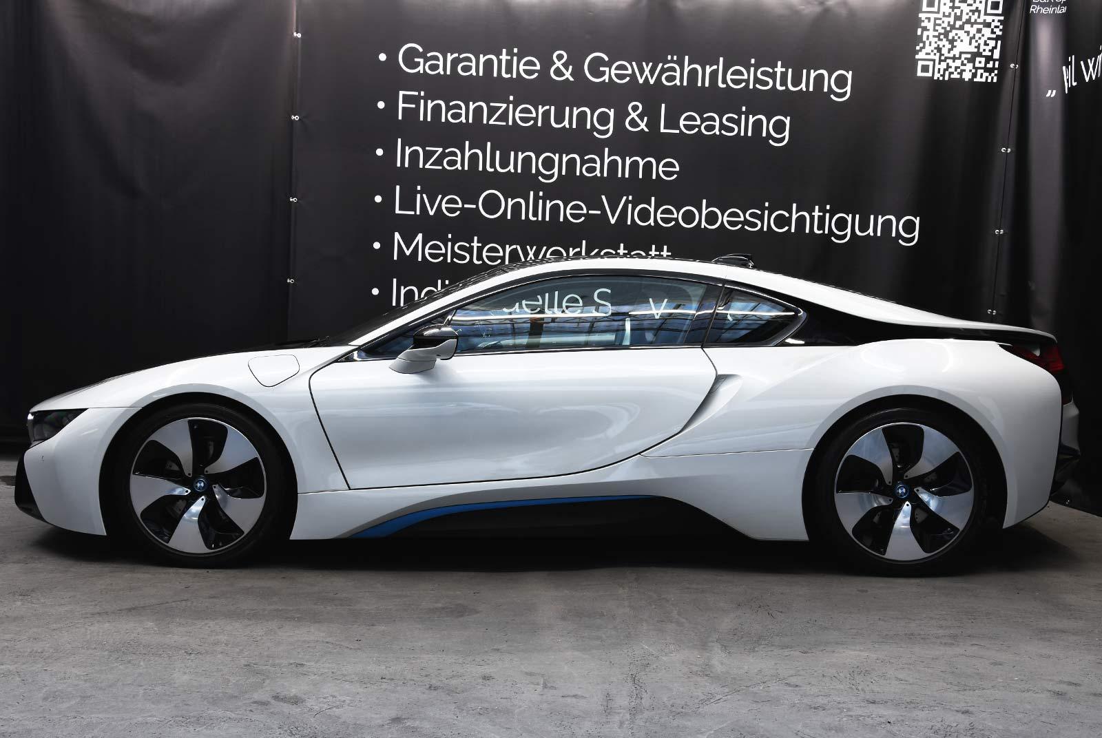bmw_i_8_weiß_grau_BMW-9212_04